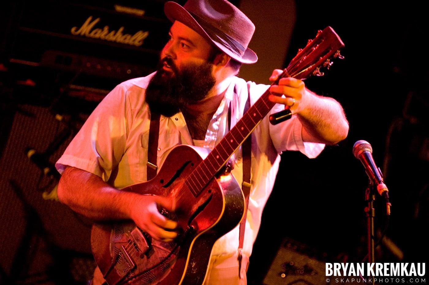 Rev. Peyton's Big Damn Band @ The Chance, Poughkeepsie NY - 2.21.08 (10)