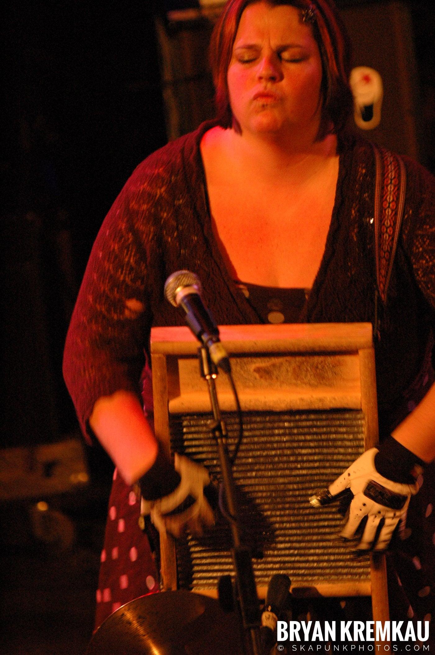 Rev. Peyton's Big Damn Band @ The Chance, Poughkeepsie NY - 2.21.08 (9)