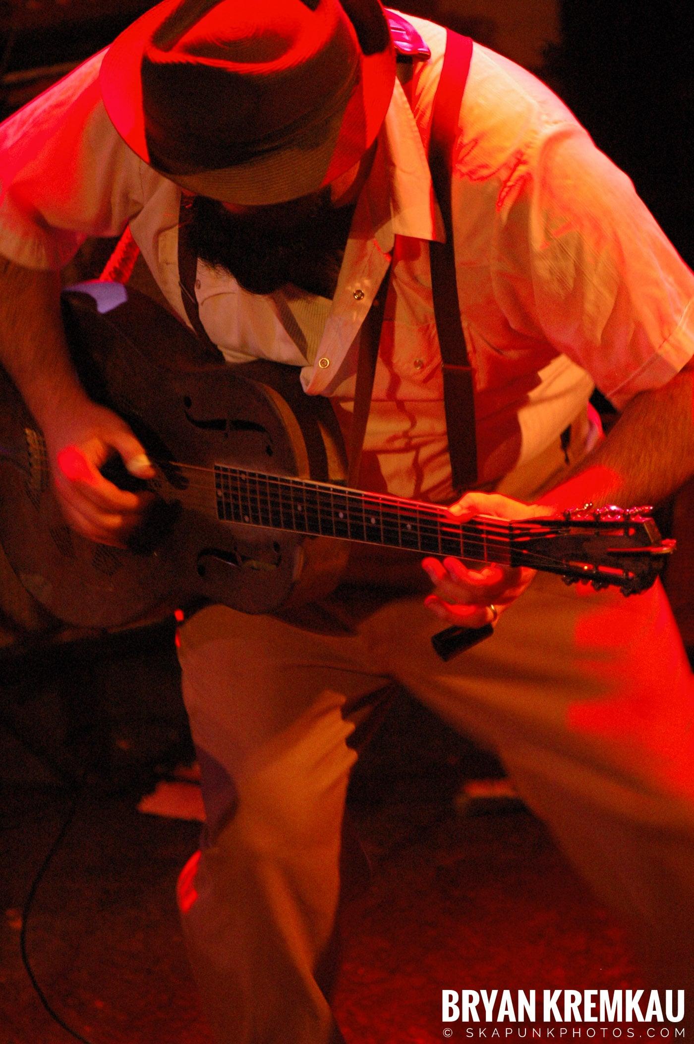 Rev. Peyton's Big Damn Band @ The Chance, Poughkeepsie NY - 2.21.08 (6)