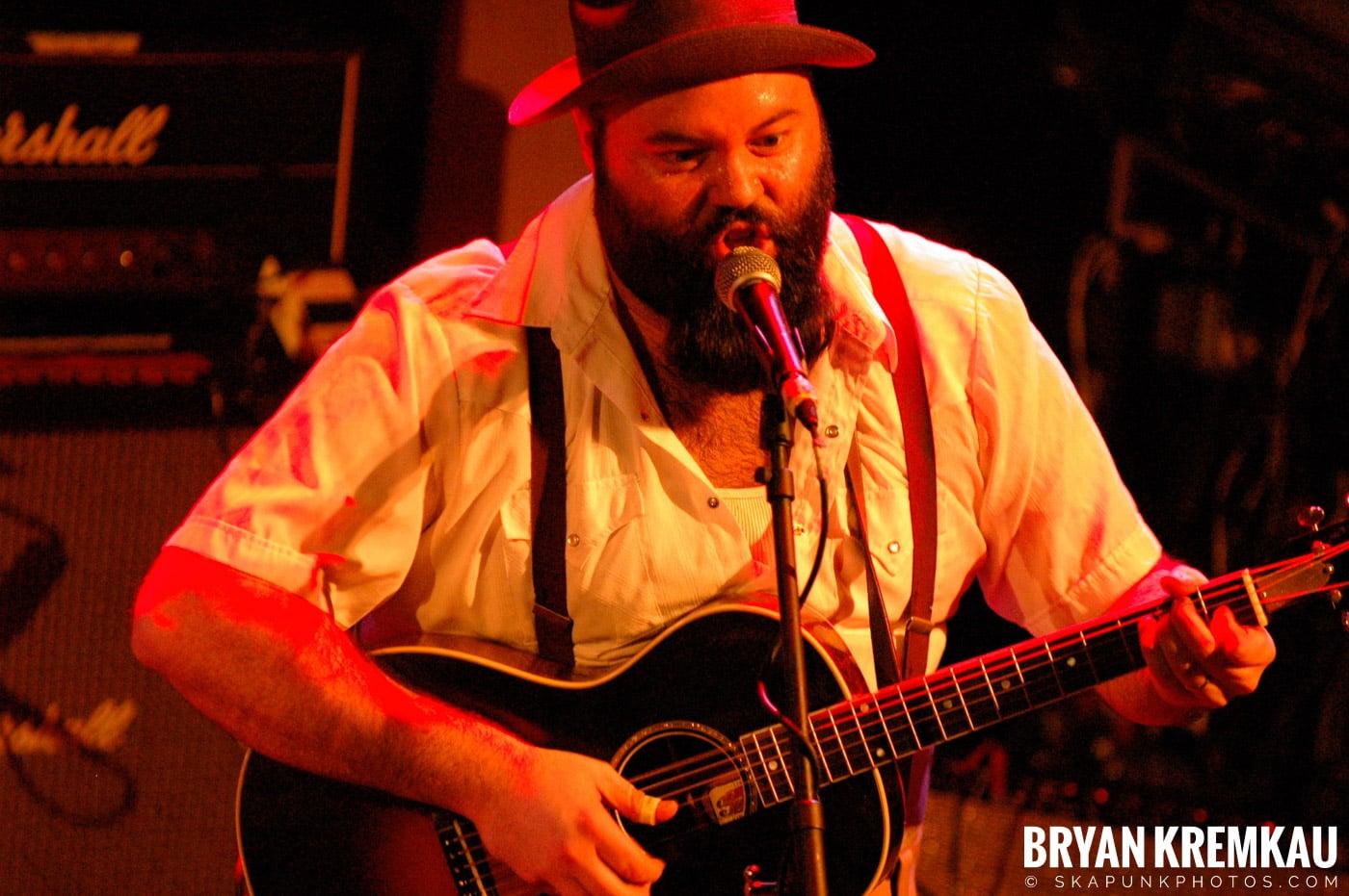 Rev. Peyton's Big Damn Band @ The Chance, Poughkeepsie NY - 2.21.08 (5)