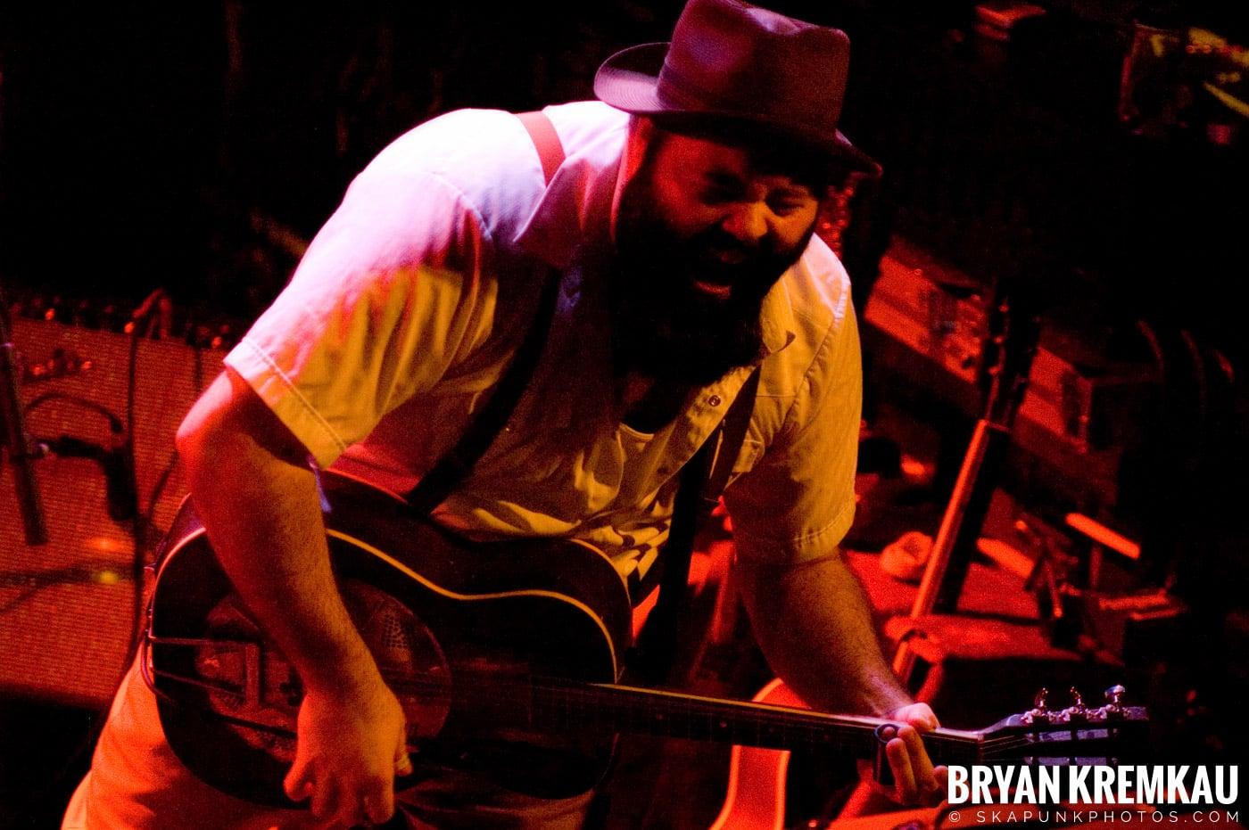 Rev. Peyton's Big Damn Band @ The Chance, Poughkeepsie NY - 2.21.08 (1)
