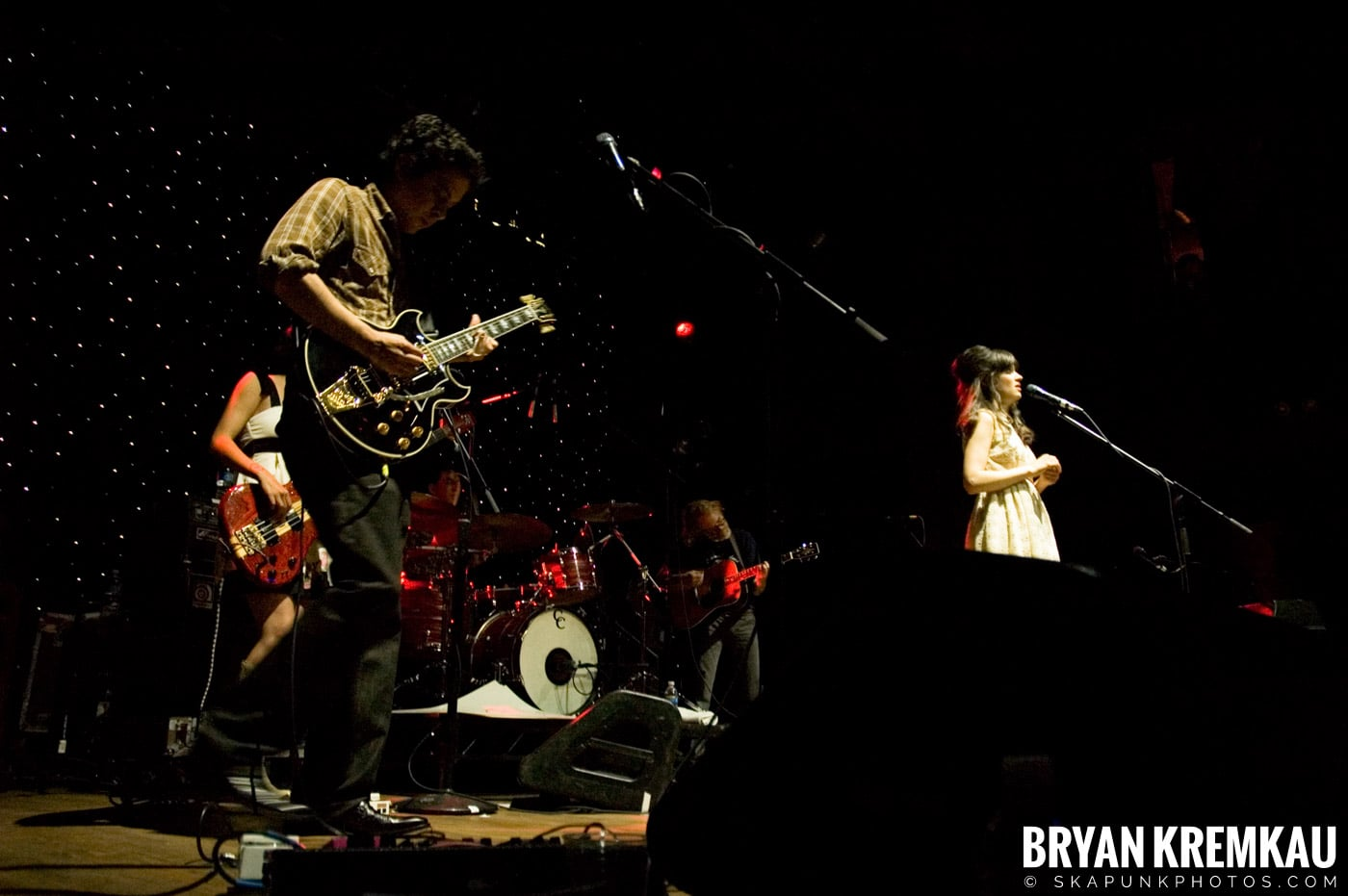 She and Him @ Webster Hall, NYC - 4.22.08 (27)