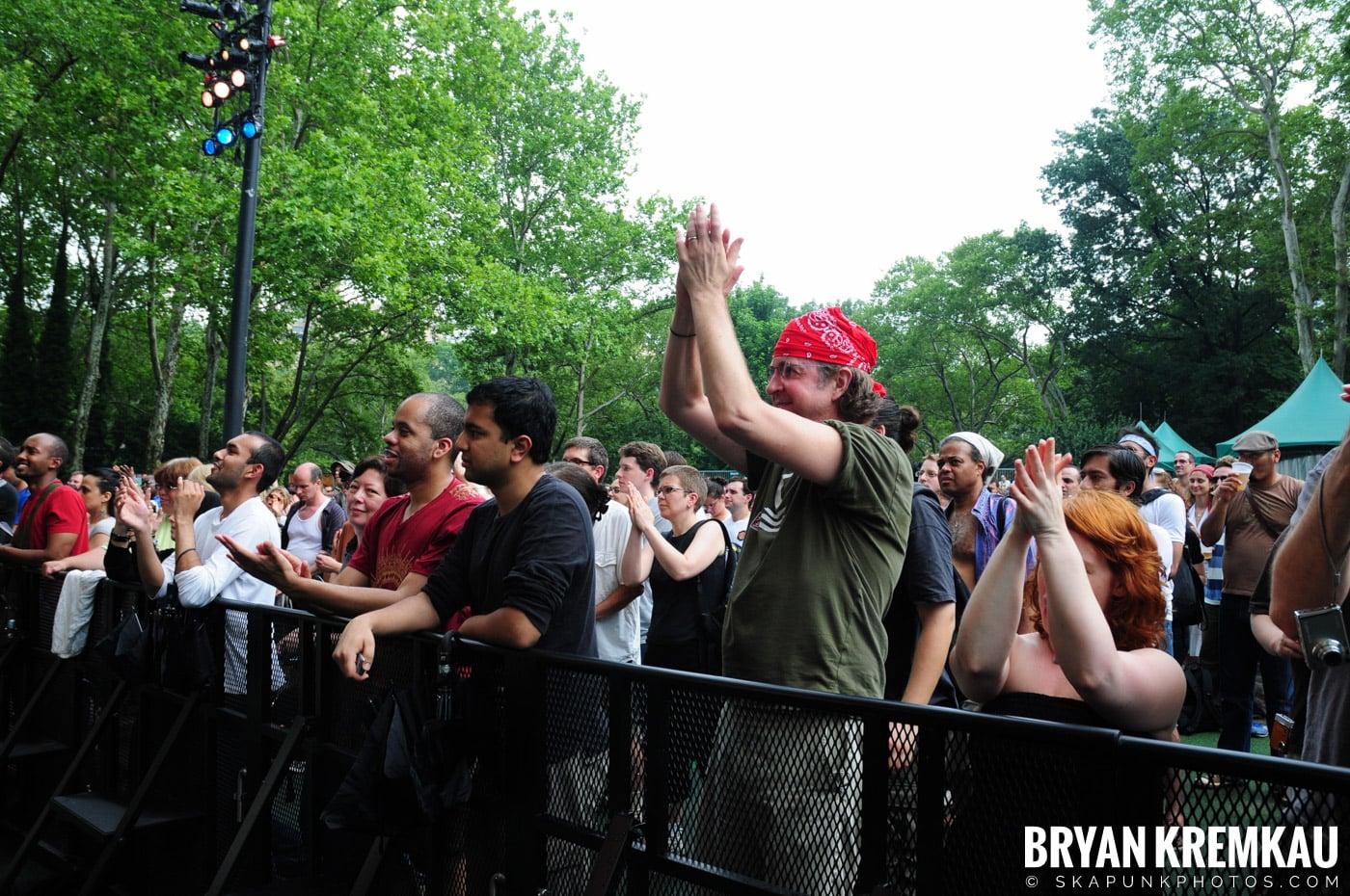 Dengue Fever @ Central Park SummerStage, NYC - 7.5.08 (2)