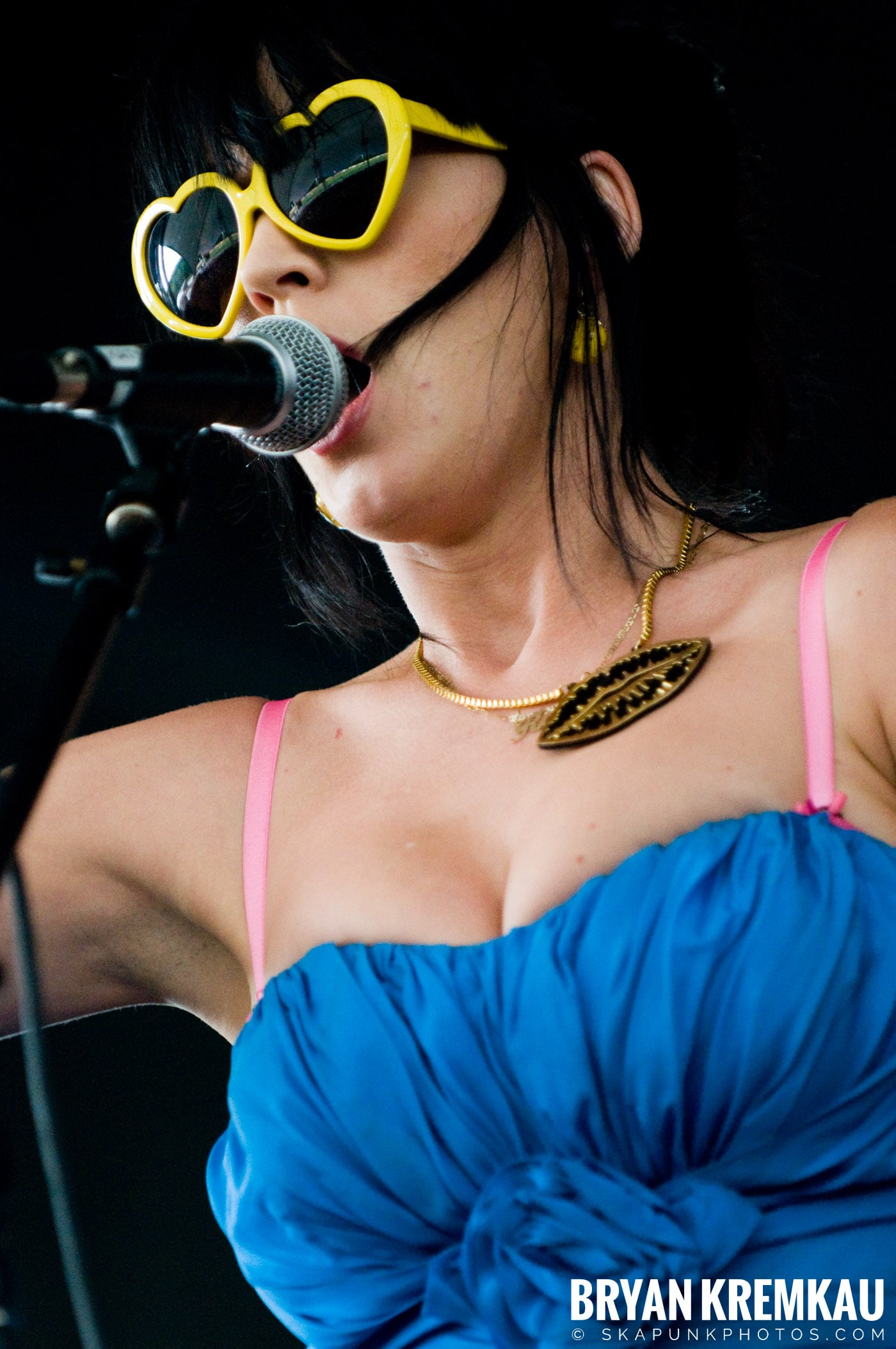 Katy Perry @ Warped Tour, Scranton PA - 7.27.08 (13)