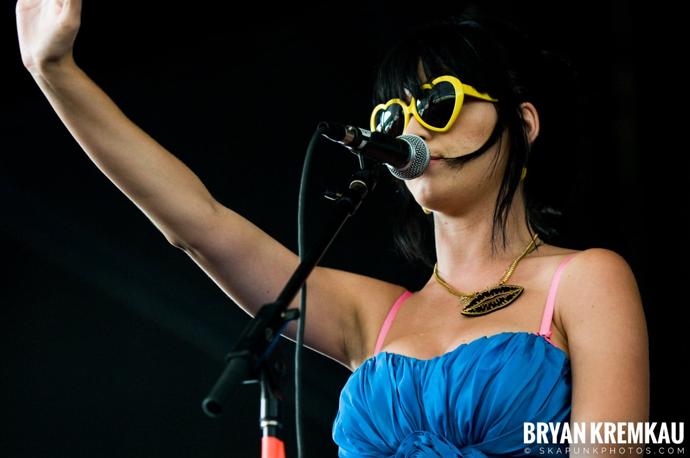 Katy Perry @ Warped Tour, Scranton PA - 7.27.08 (12)