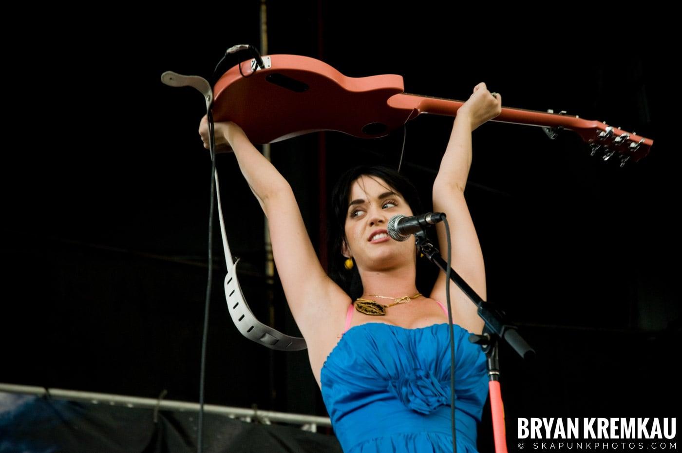 Katy Perry @ Warped Tour, Scranton PA - 7.27.08 (4)