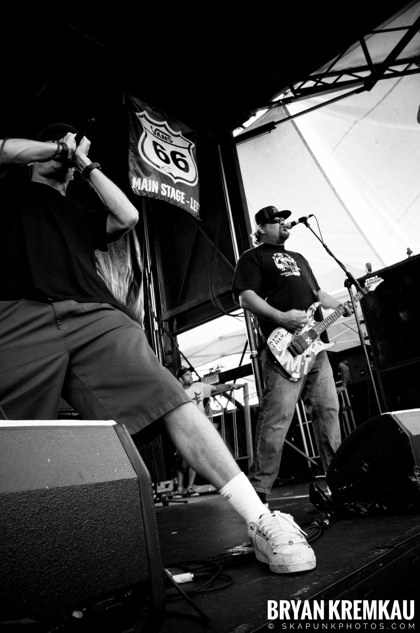 Pennywise @ Warped Tour 08, Scranton PA - 7.27.08 (5)