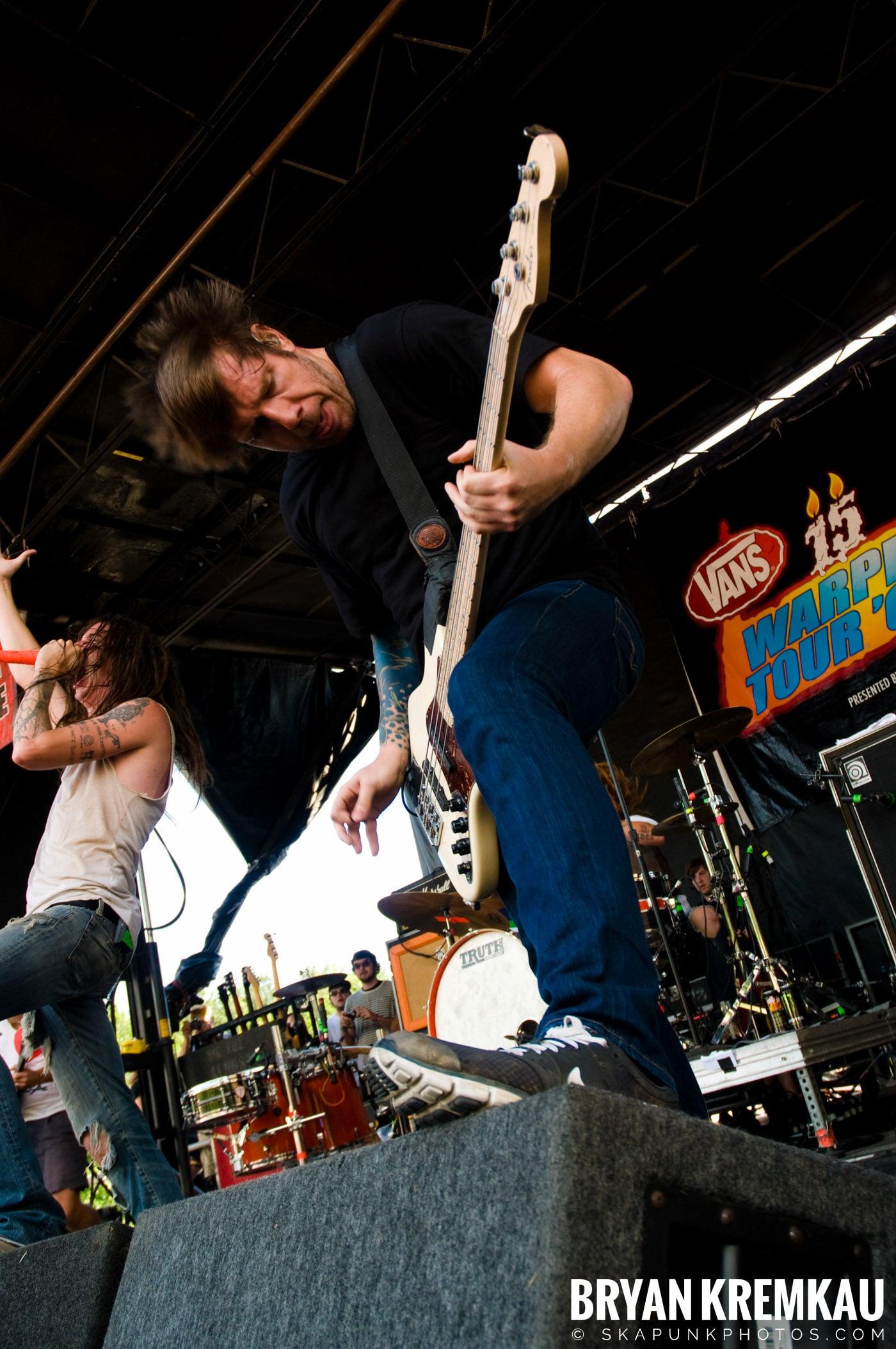Underoath @ Warped Tour 2009, Scranton PA - 07.15.09 (3)