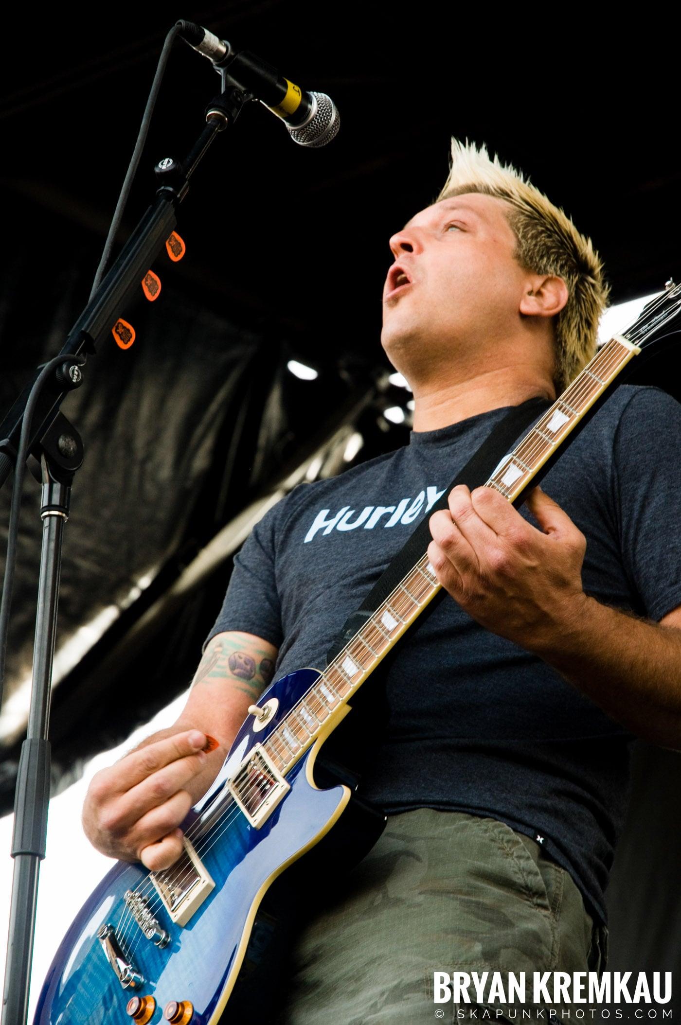 Less Than Jake @ Warped Tour 2009, Scranton PA - 07.15.09 (19)