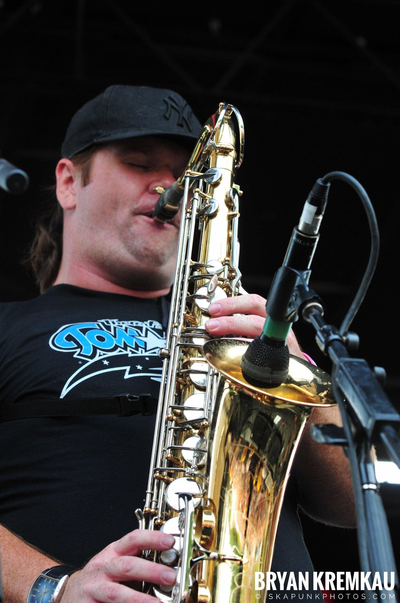 Less Than Jake @ Warped Tour 2009, Scranton PA - 07.15.09 (7)