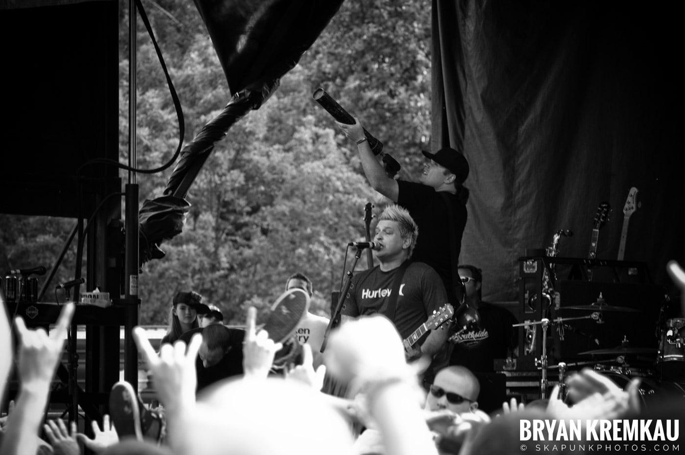 Less Than Jake @ Warped Tour 2009, Scranton PA - 07.15.09 (1)