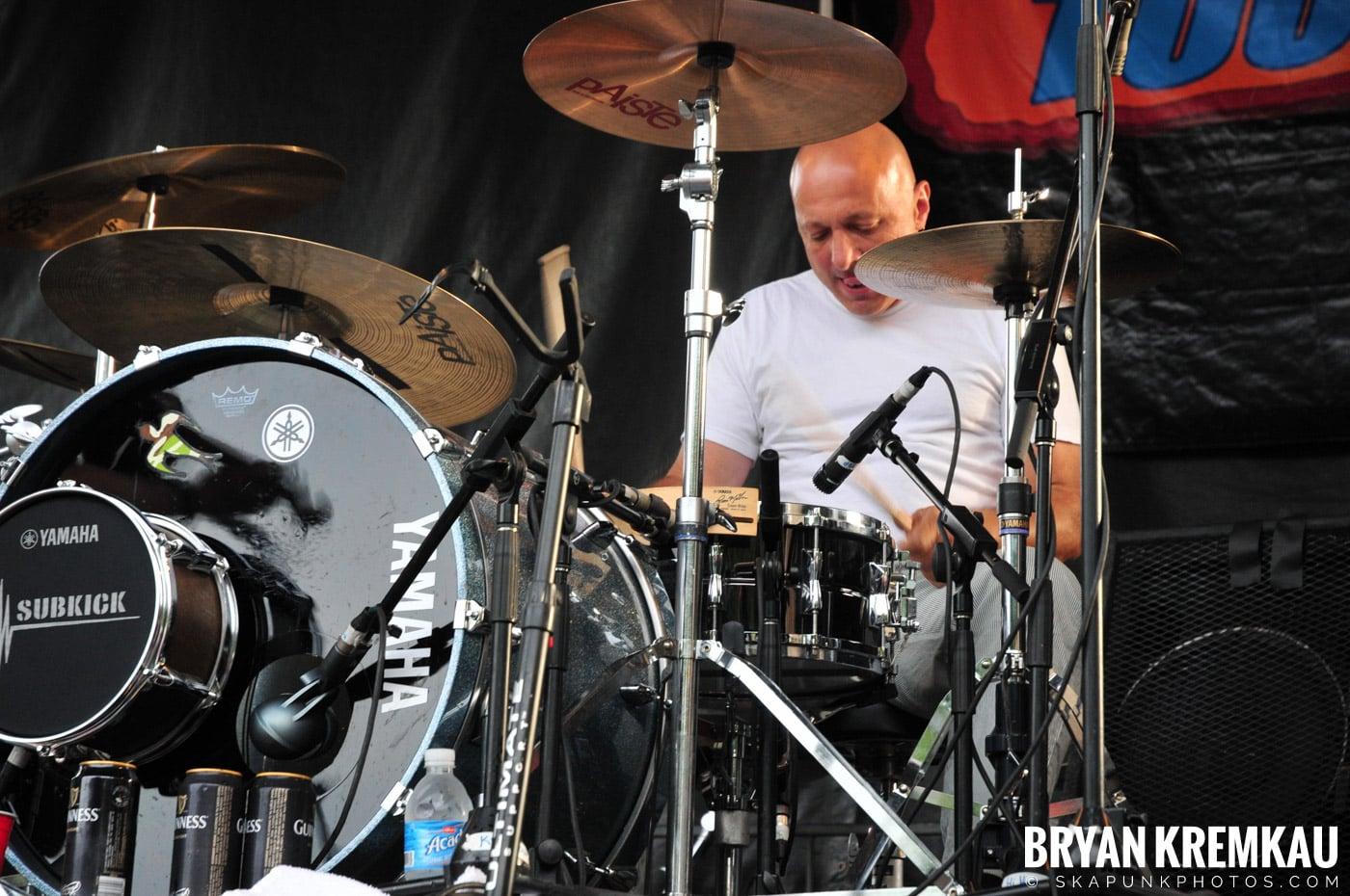 Flogging Molly @ Warped Tour 2009, Scranton PA - 07.15.09 (13)