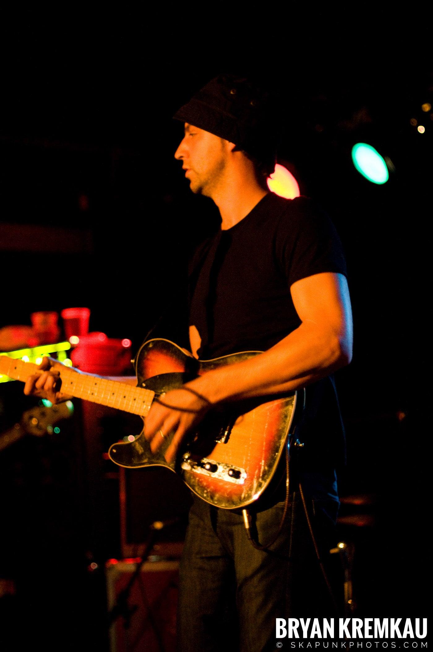 The Rifles @ Mercury Lounge, NYC - 9.24.09 (17)