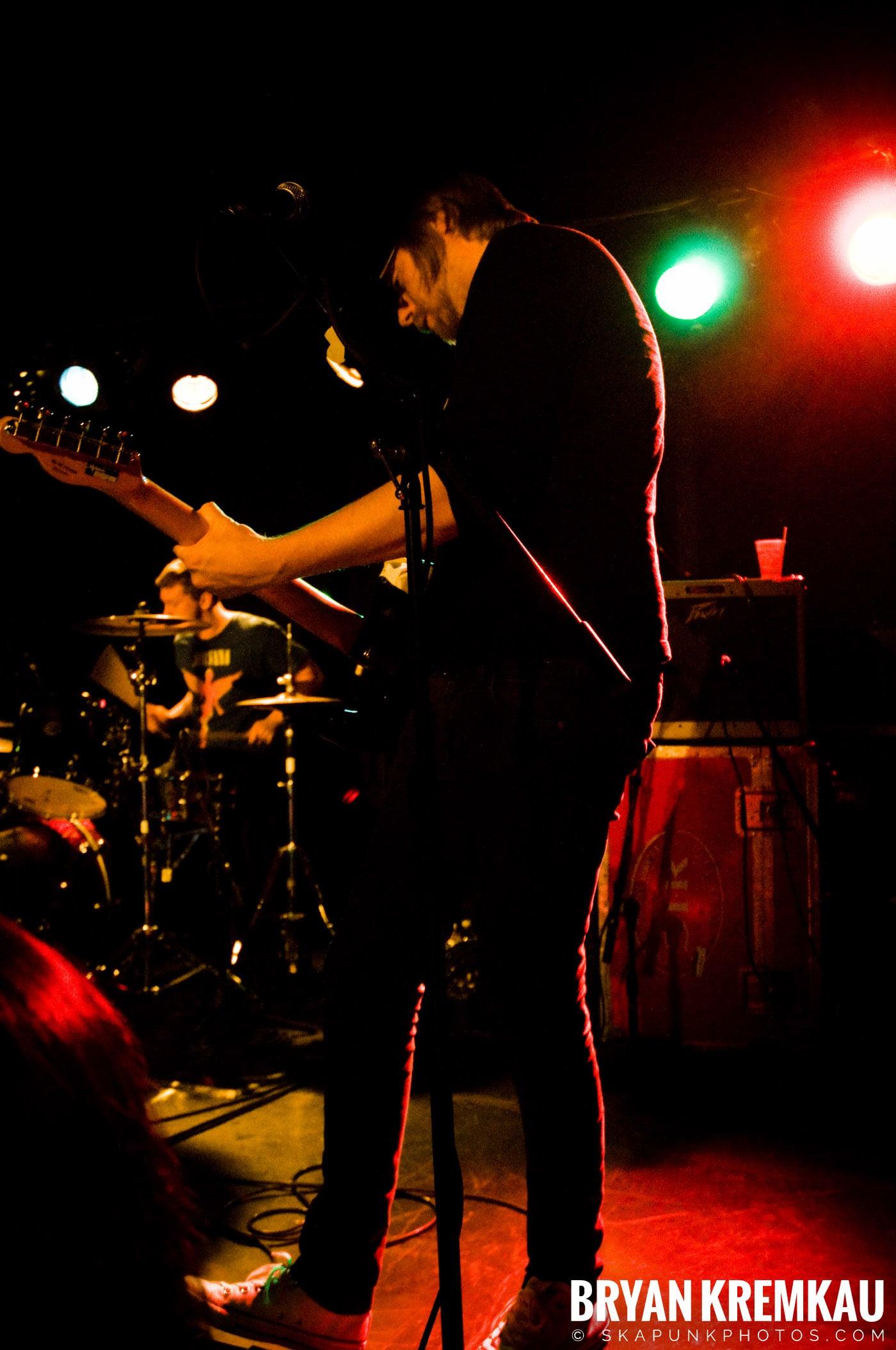 The Rifles @ Mercury Lounge, NYC - 9.24.09 (11)