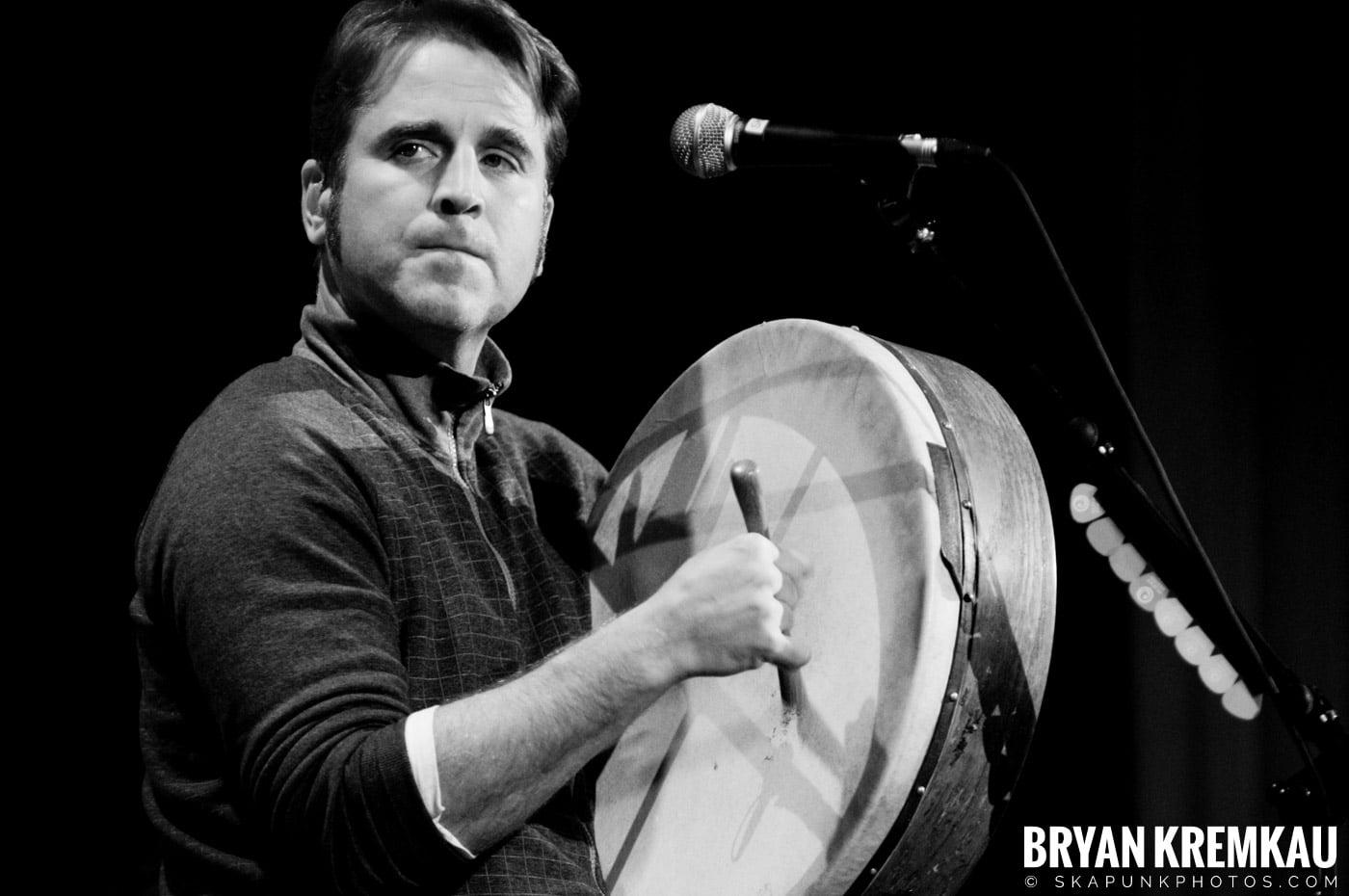Great Big Sea @ Tarrytown Music Hall, Tarrytown, NY - 10.10.09 (14)