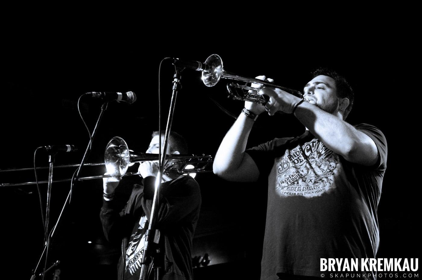 Avon Junkies (Ska is Dead Tour) @ Starland Ballroom, Sayreville, NJ - 11.15.09 (10)