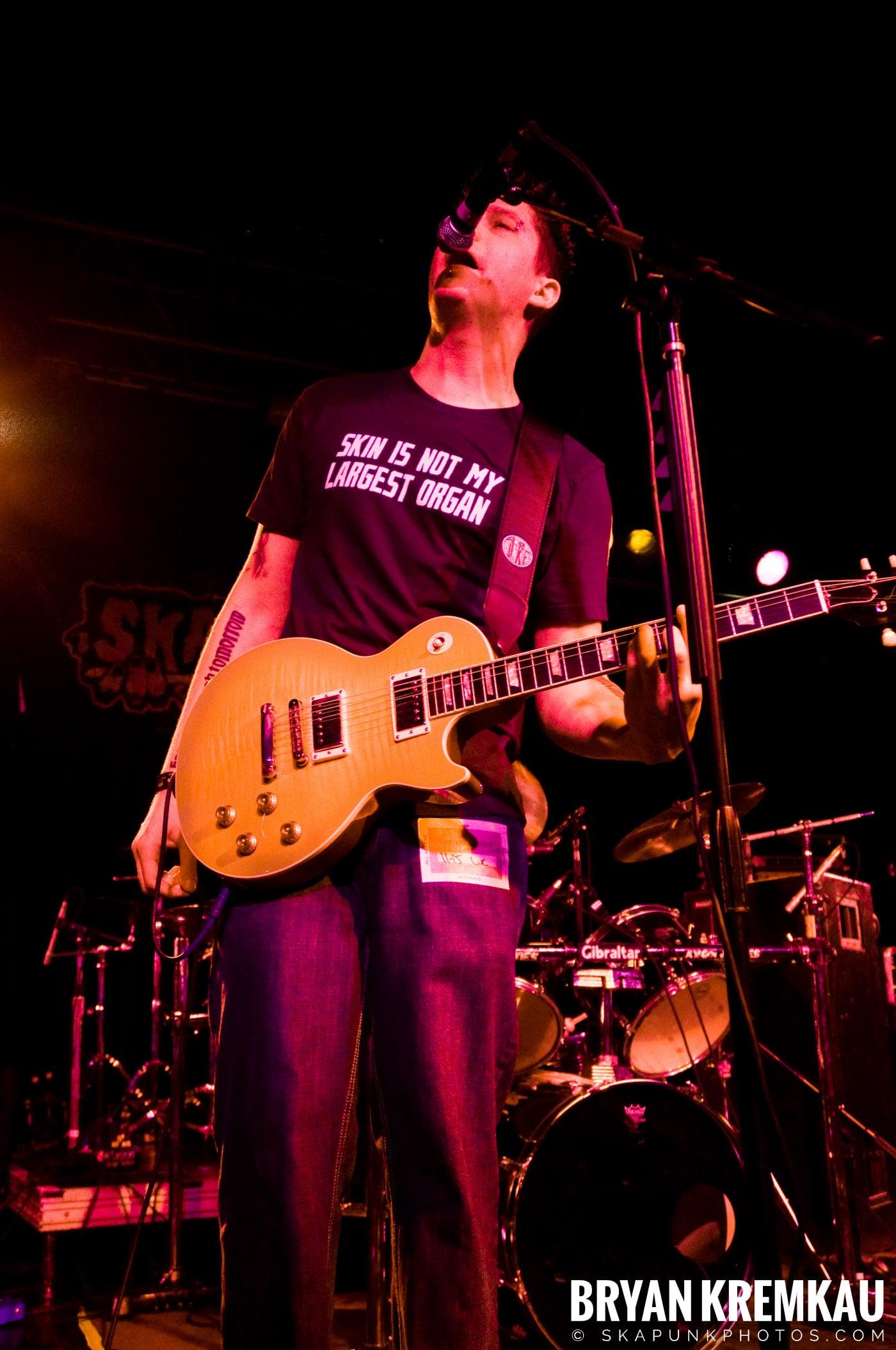 Avon Junkies (Ska is Dead Tour) @ Starland Ballroom, Sayreville, NJ - 11.15.09 (7)