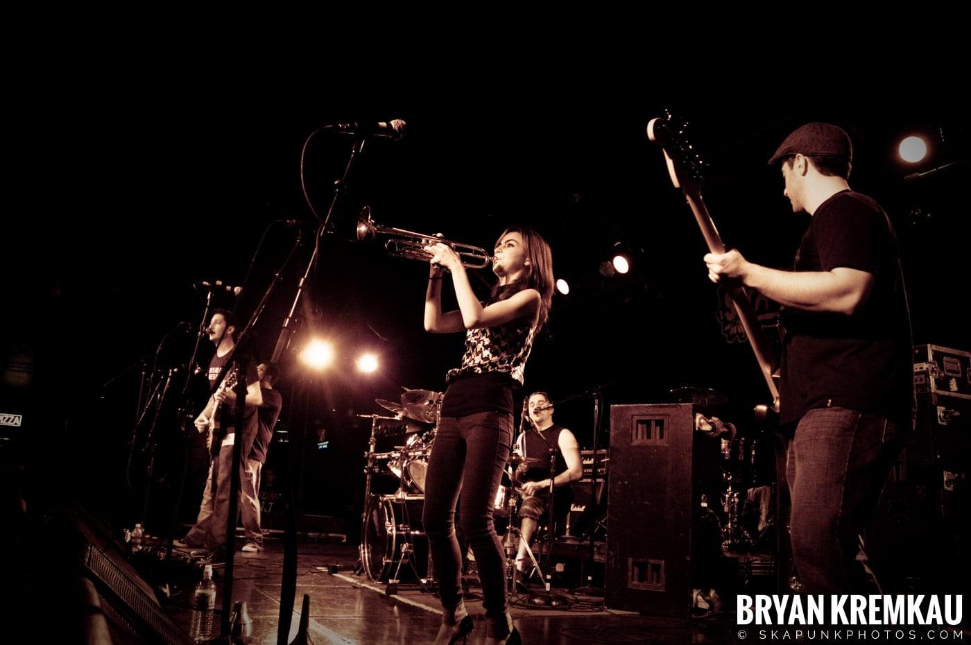 Avon Junkies (Ska is Dead Tour) @ Starland Ballroom, Sayreville, NJ - 11.15.09 (5)