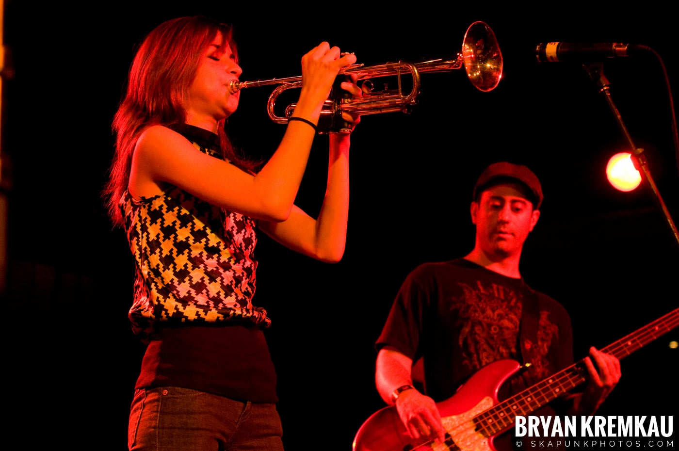 Avon Junkies (Ska is Dead Tour) @ Starland Ballroom, Sayreville, NJ - 11.15.09 (1)