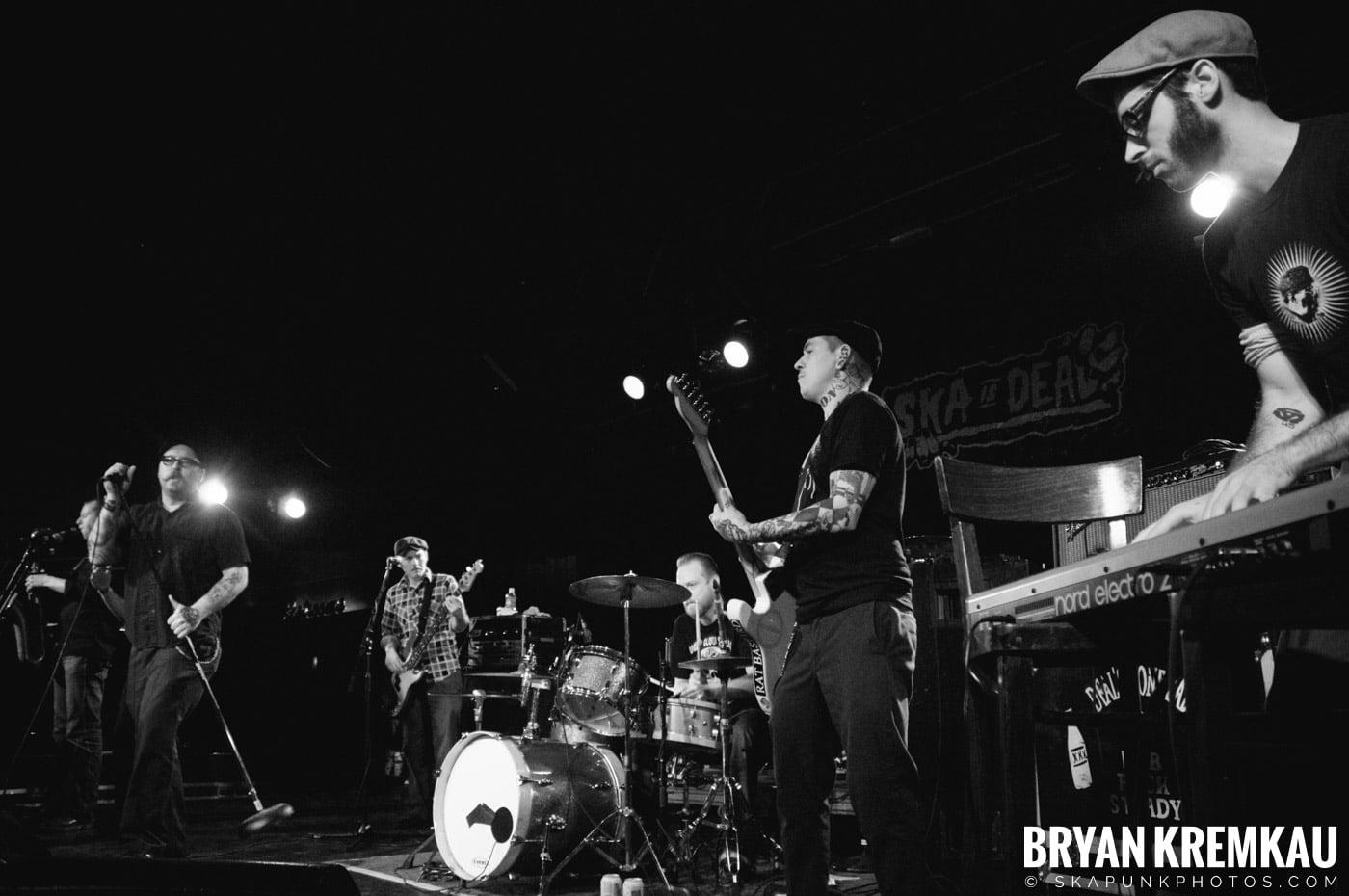 Deal's Gone Bad (Ska is Dead Tour) @ Starland Ballroom, Sayreville, NJ - 11.15.09 (16)
