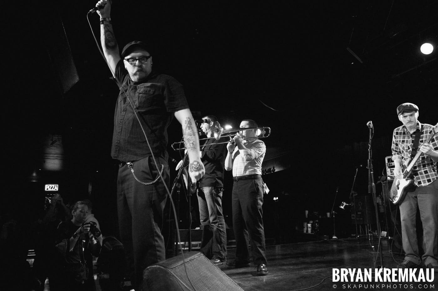 Deal's Gone Bad (Ska is Dead Tour) @ Starland Ballroom, Sayreville, NJ - 11.15.09 (12)