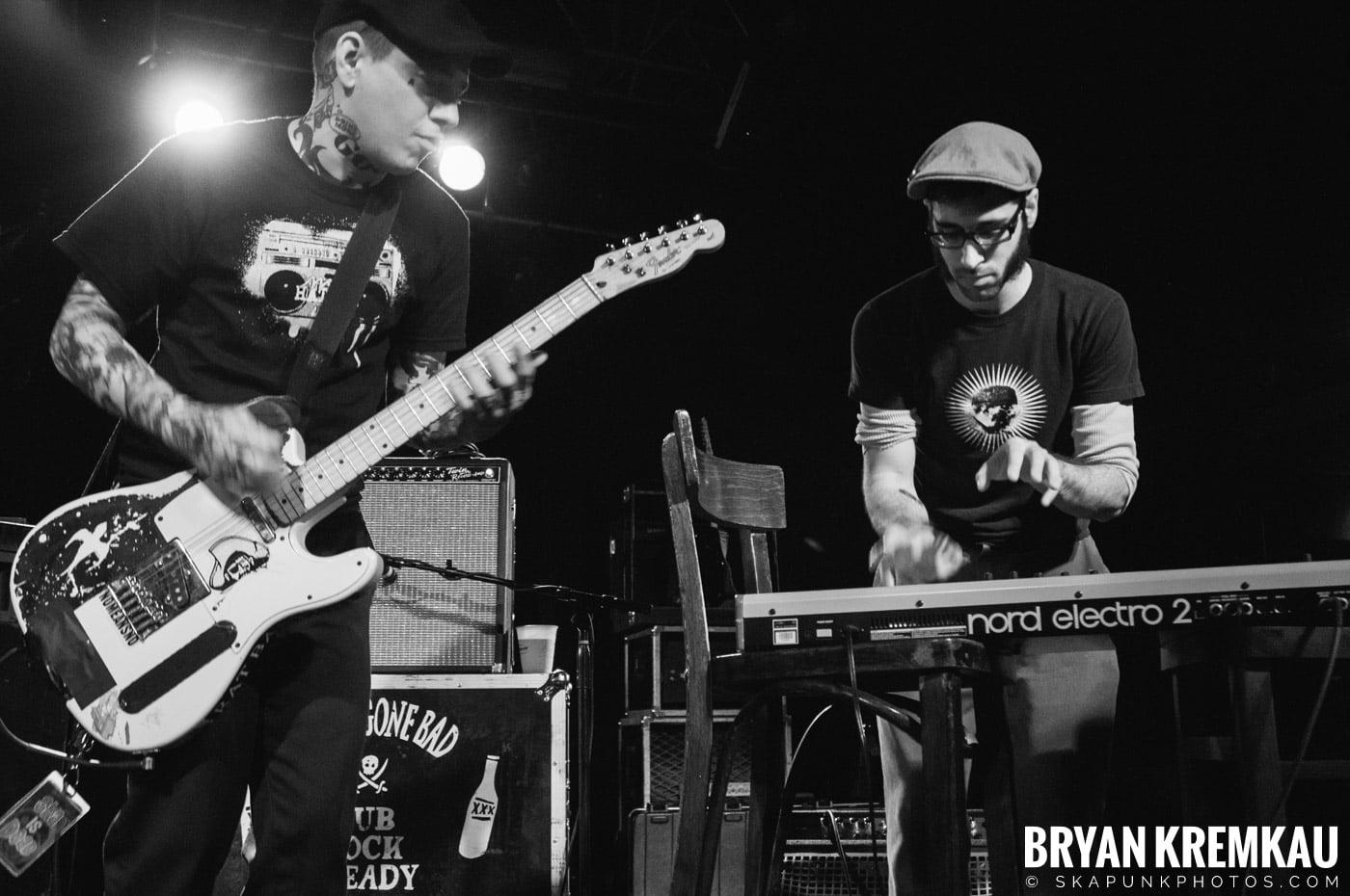 Deal's Gone Bad (Ska is Dead Tour) @ Starland Ballroom, Sayreville, NJ - 11.15.09 (11)