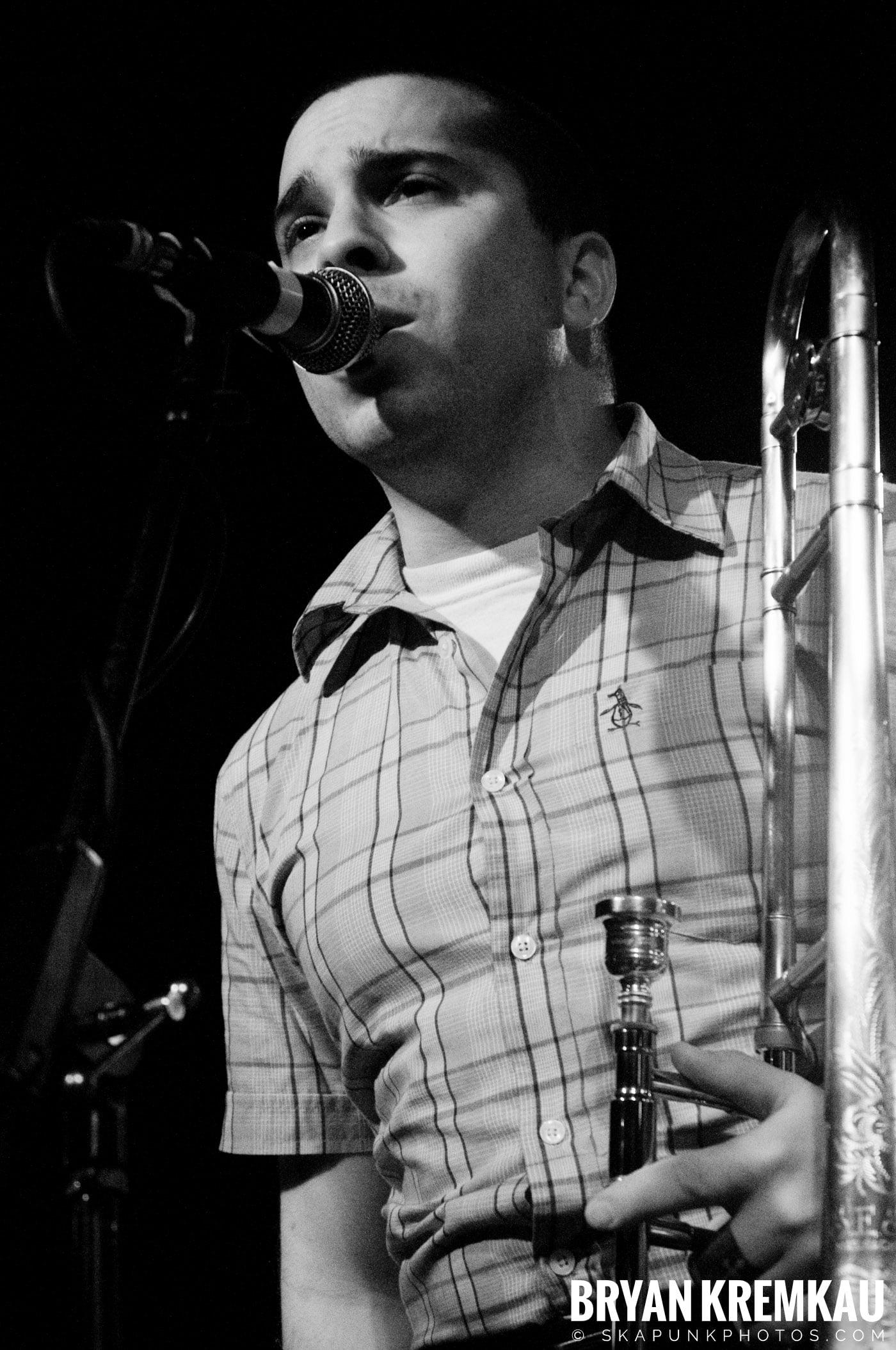 Deal's Gone Bad (Ska is Dead Tour) @ Starland Ballroom, Sayreville, NJ - 11.15.09 (6)