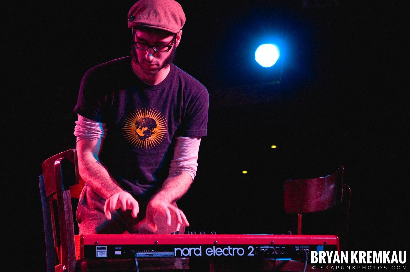 Deal's Gone Bad (Ska is Dead Tour) @ Starland Ballroom, Sayreville, NJ - 11.15.09 (3)