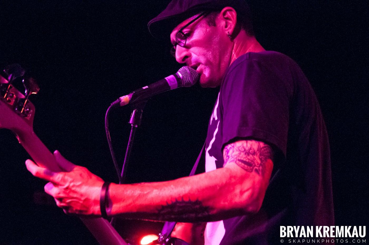 Voodoo Glow Skulls (Ska is Dead Tour) @ Starland Ballroom, Sayreville, NJ - 11.15.09 (2)