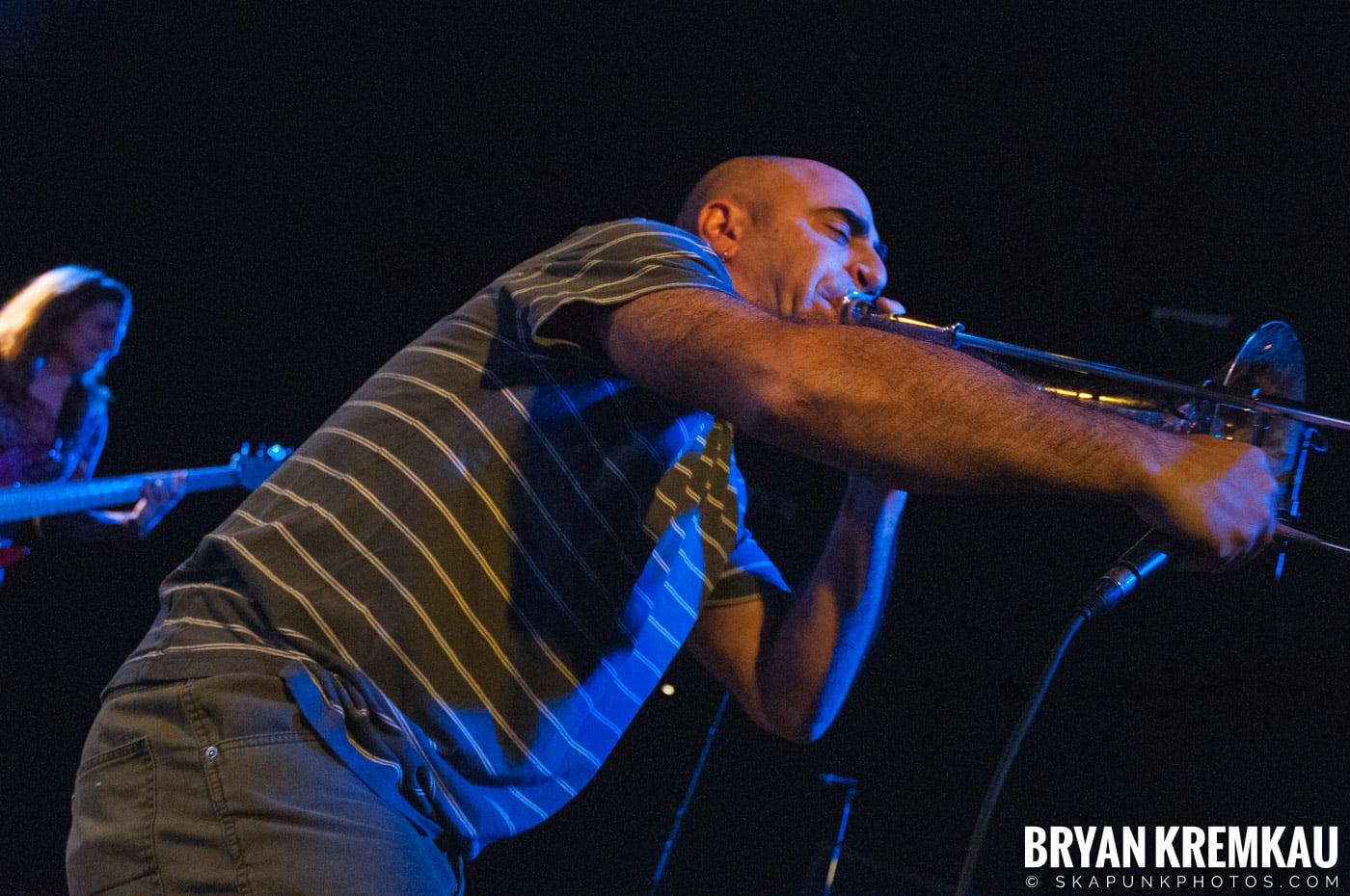Pilfers (Ska is Dead Tour) @ Starland Ballroom, Sayreville, NJ - 11.15.09 (41)
