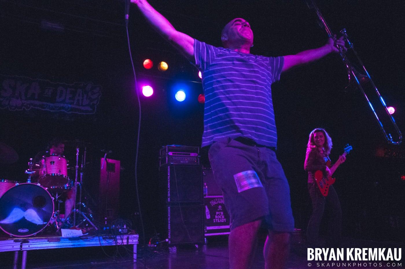 Pilfers (Ska is Dead Tour) @ Starland Ballroom, Sayreville, NJ - 11.15.09 (18)