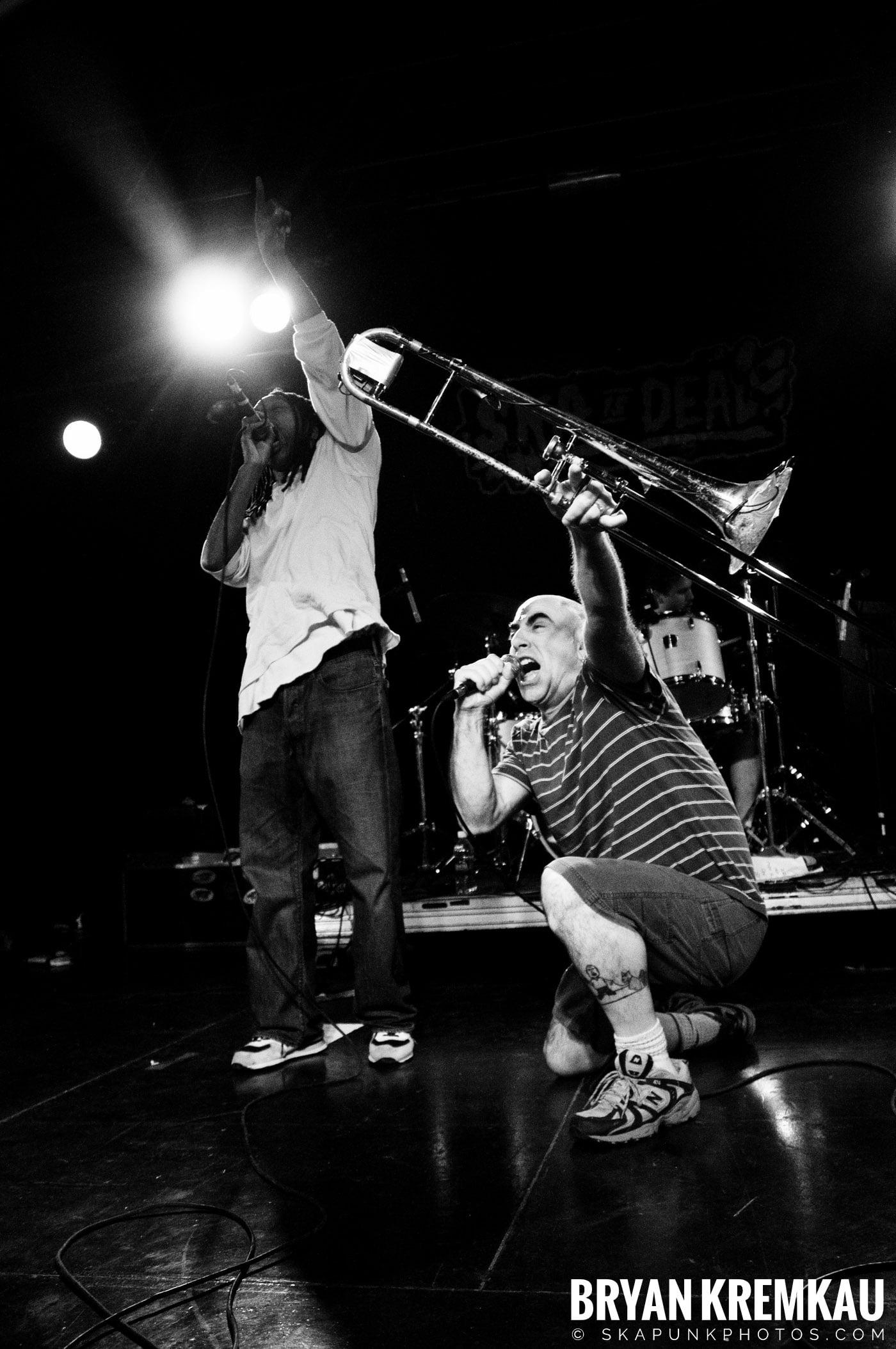 Pilfers (Ska is Dead Tour) @ Starland Ballroom, Sayreville, NJ - 11.15.09 (16)