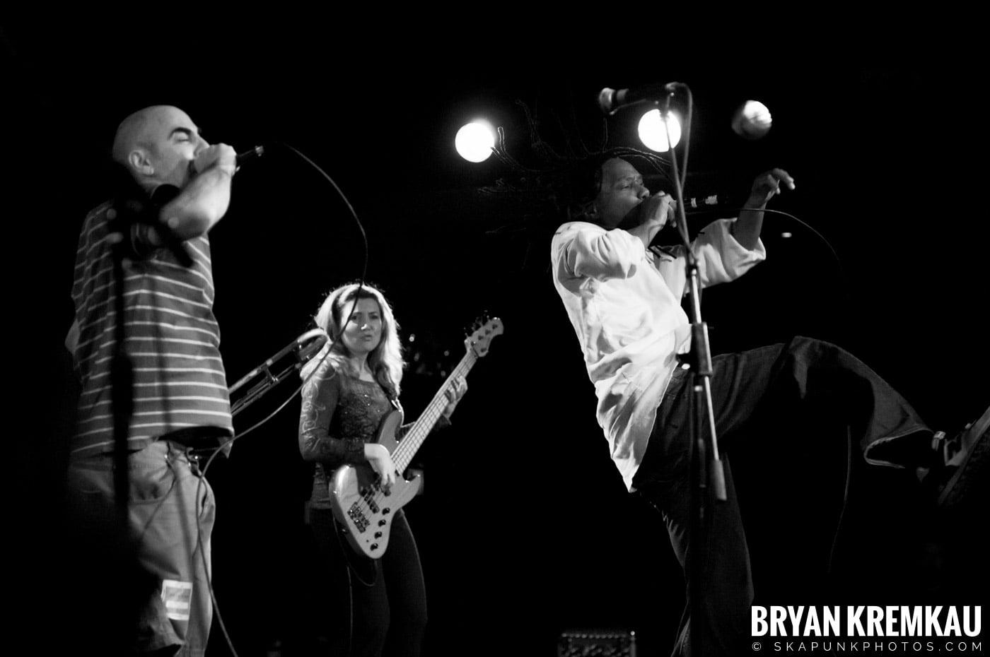 Pilfers (Ska is Dead Tour) @ Starland Ballroom, Sayreville, NJ - 11.15.09 (3)