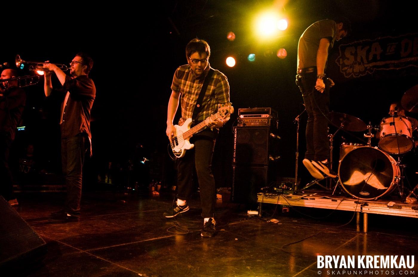 Mustard Plug (Ska is Dead Tour) @ Starland Ballroom, Sayreville, NJ - 11.15.09 (15)