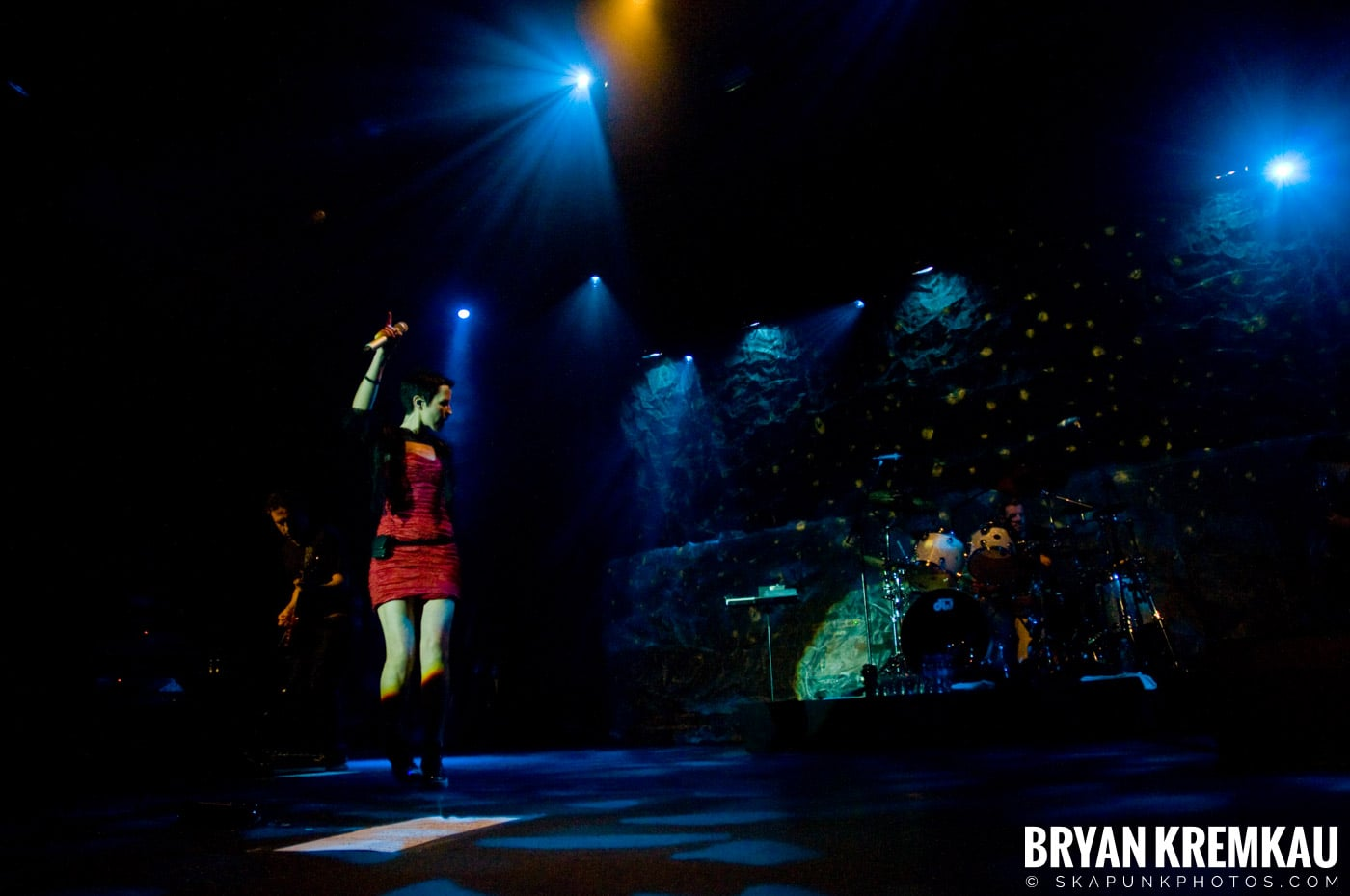 The Cranberries @ Nokia Theatre, NYC - 11.18.09 (23)