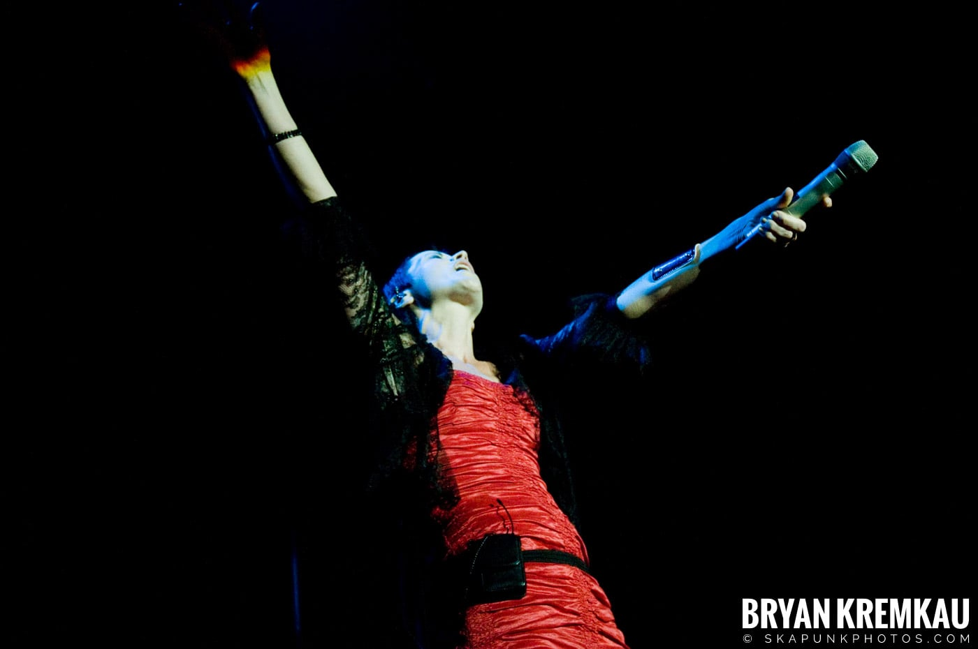 The Cranberries @ Nokia Theatre, NYC - 11.18.09 (22)
