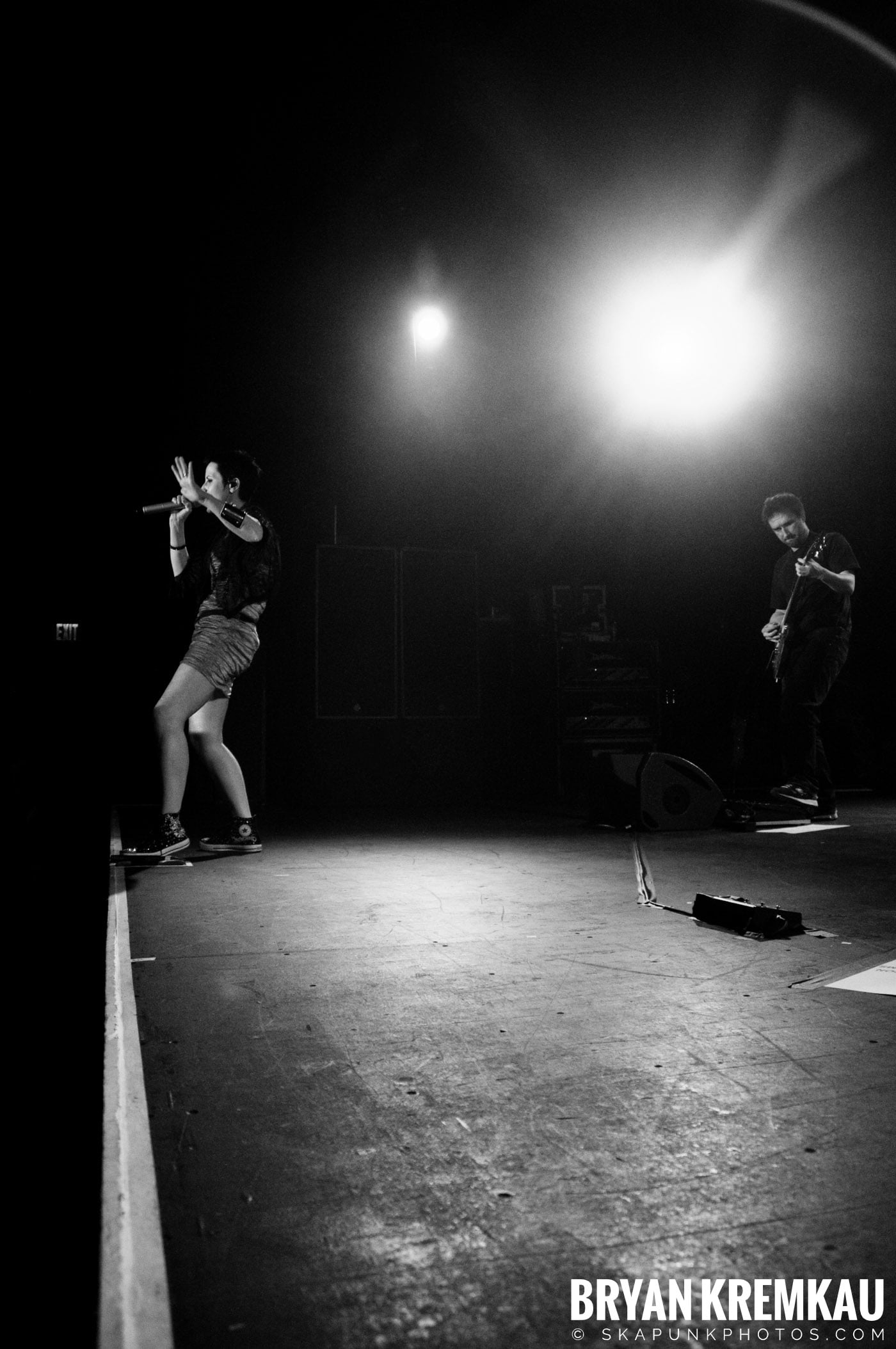 The Cranberries @ Nokia Theatre, NYC - 11.18.09 (15)