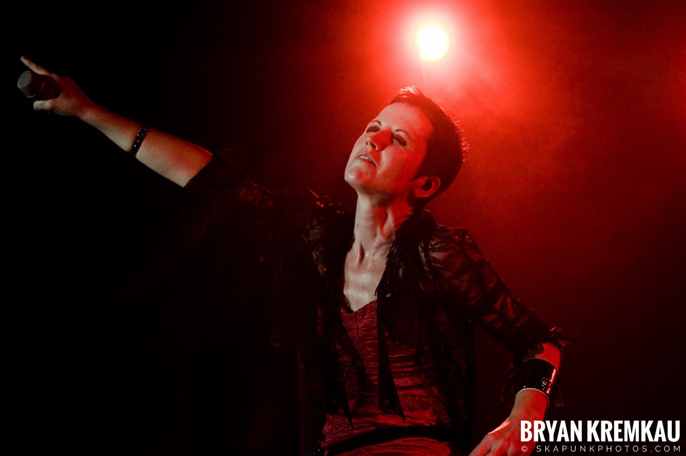 The Cranberries @ Nokia Theatre, NYC - 11.18.09 (14)