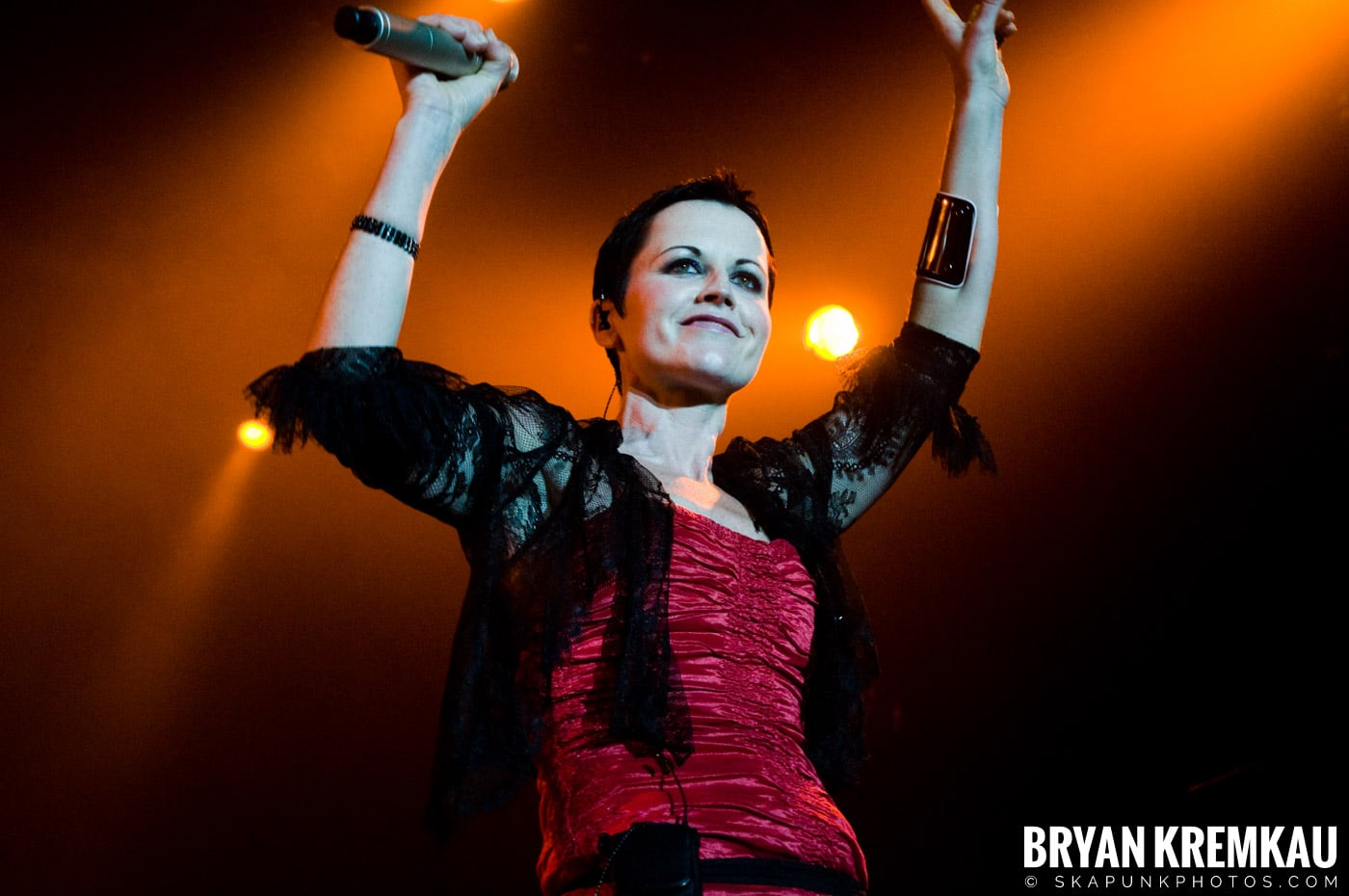 The Cranberries @ Nokia Theatre, NYC - 11.18.09 (12)