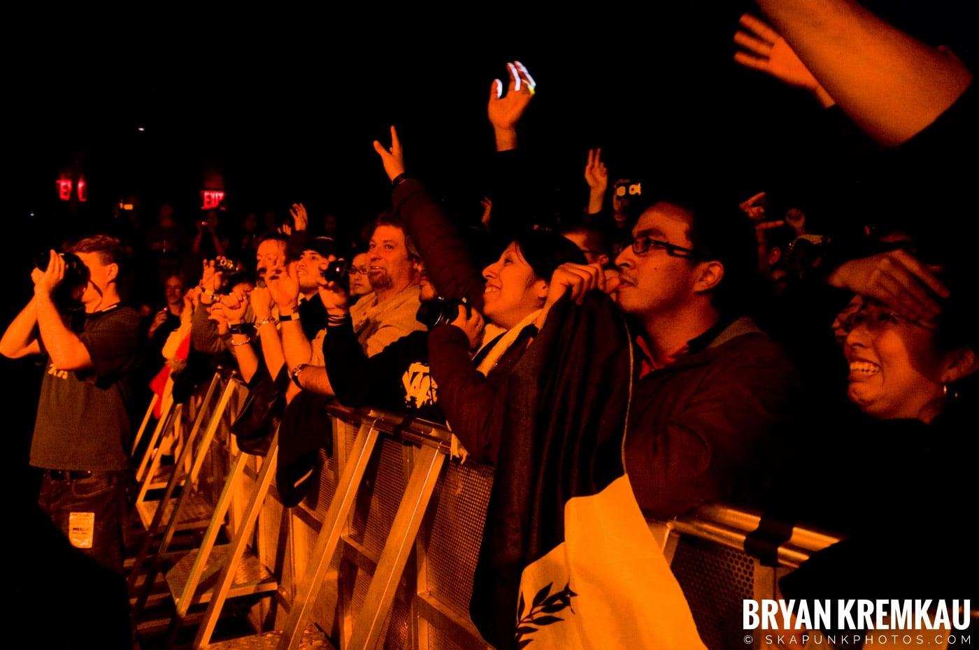 The Cranberries @ Nokia Theatre, NYC - 11.18.09 (11)