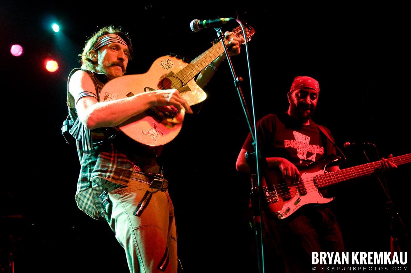 Gogol Bordello @ The Fillmore at Irving Plaza, NYC - 3.9.10 (32)