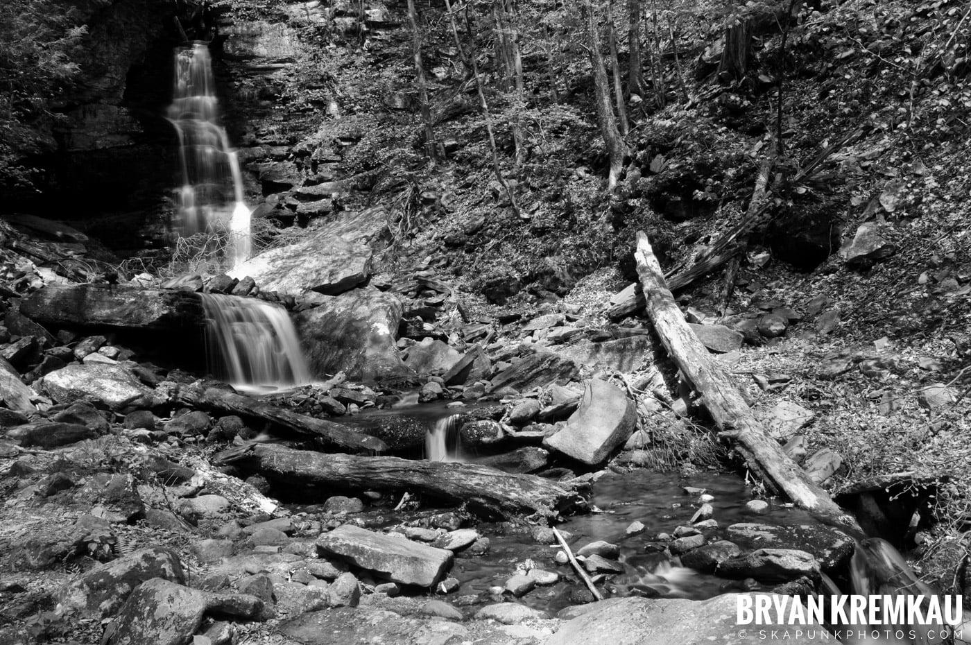 Getting Engaged @ Peekamoose Waterfall, Sundown NY - 5.1.10 (25)