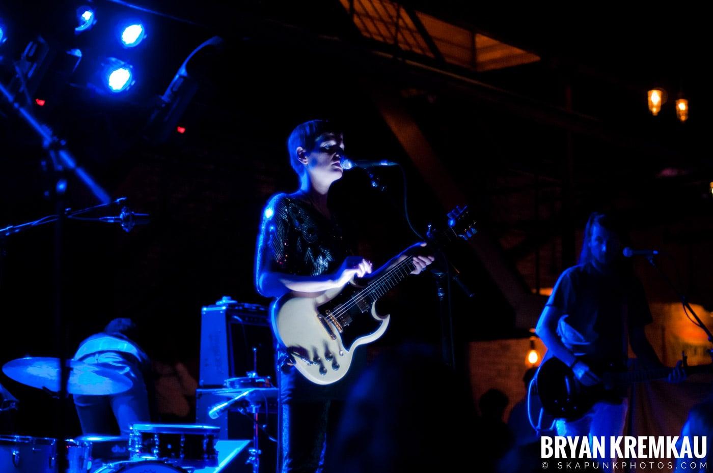 The Family Band @ Brooklyn Bowl, Brooklyn, NY - 3-30-11 (8)