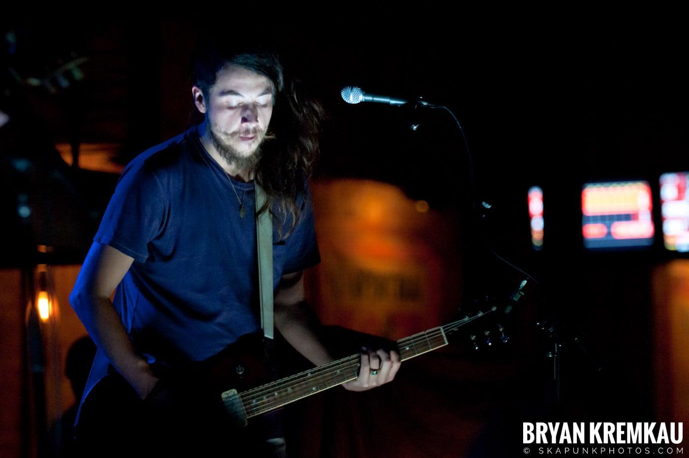 The Family Band @ Brooklyn Bowl, Brooklyn, NY - 3-30-11 (3)