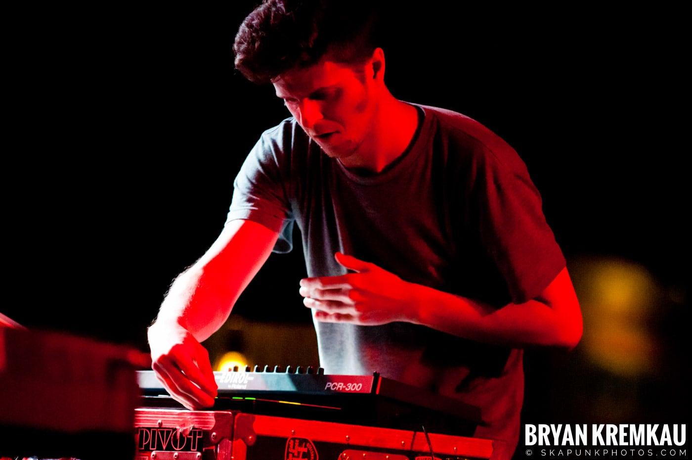 PVT @ Brooklyn Bowl, Brooklyn, NY - 3-30-11 (11)