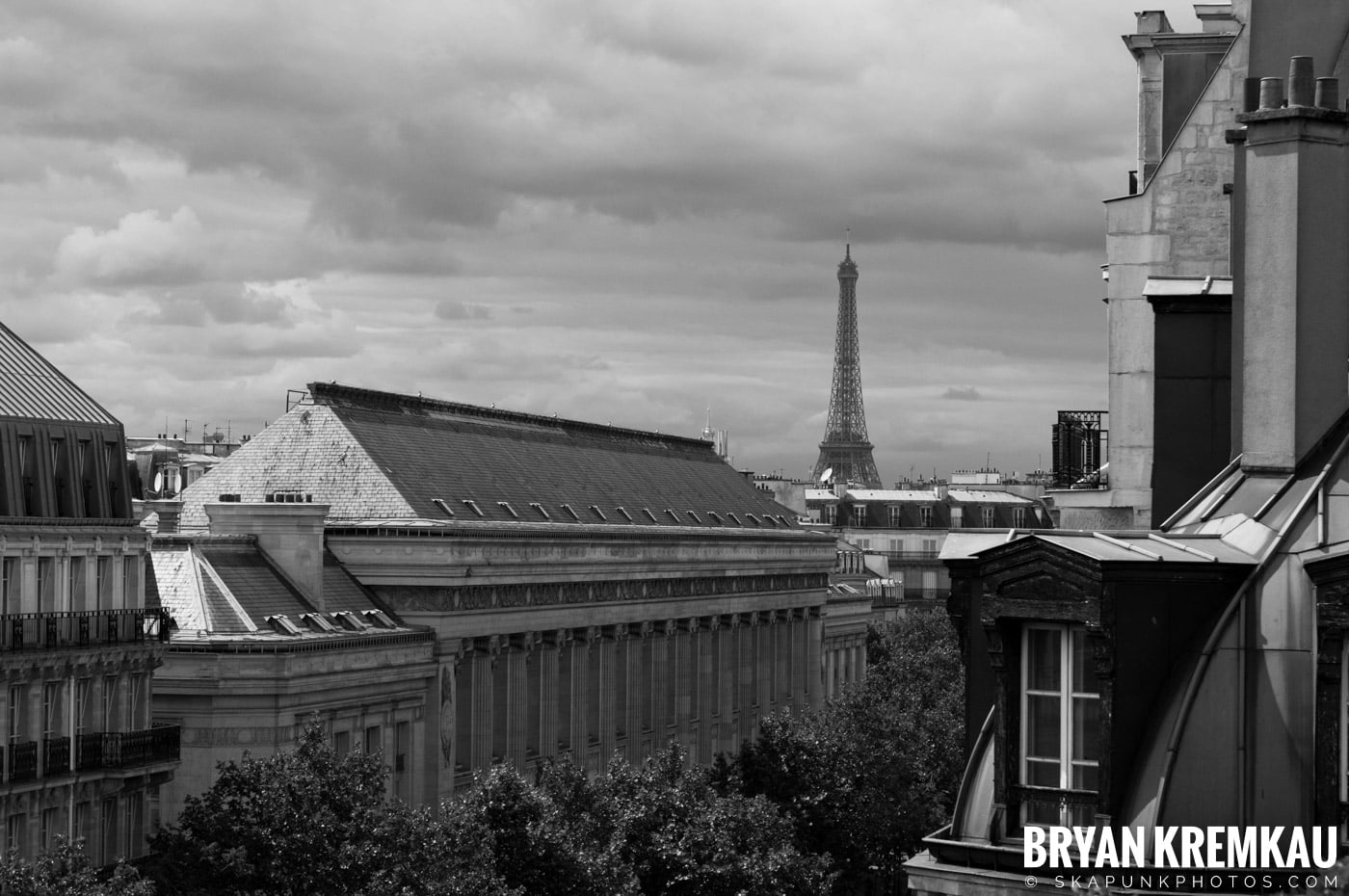 Paris, France Honeymoon - Day 1 - 7.18.11 (60)