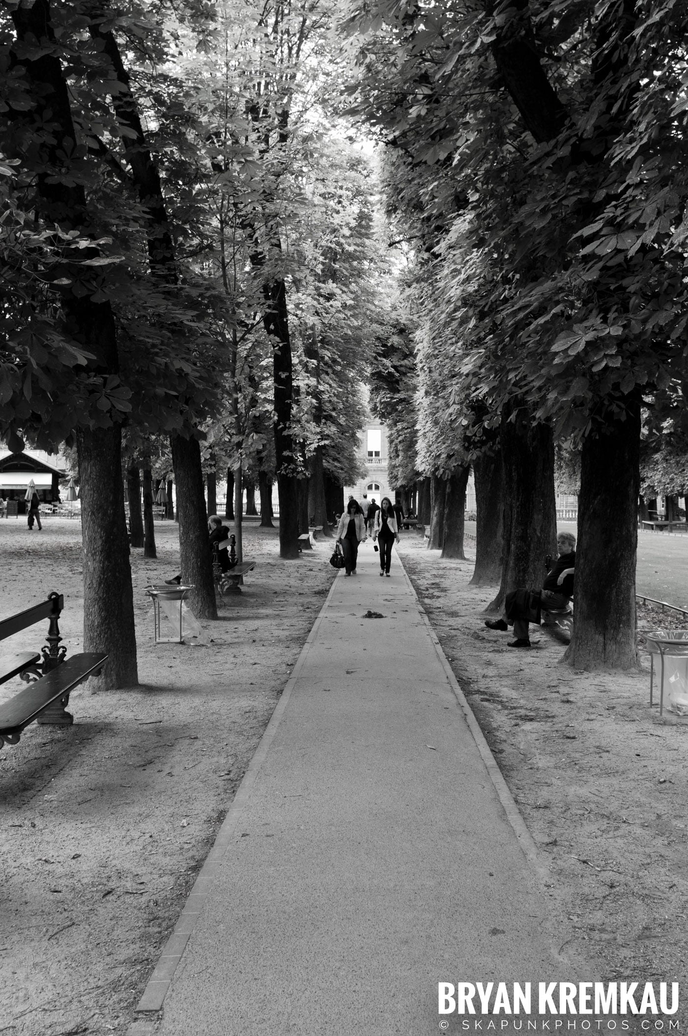Paris, France Honeymoon - Day 1 - 7.18.11 (52)