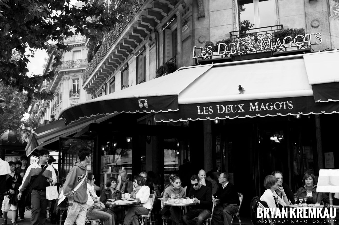 Paris, France Honeymoon - Day 1 - 7.18.11 (14)