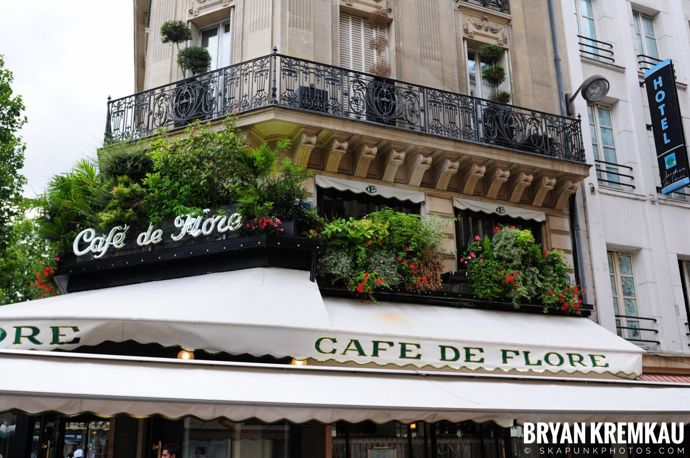 Paris, France Honeymoon - Day 1 - 7.18.11 (13)