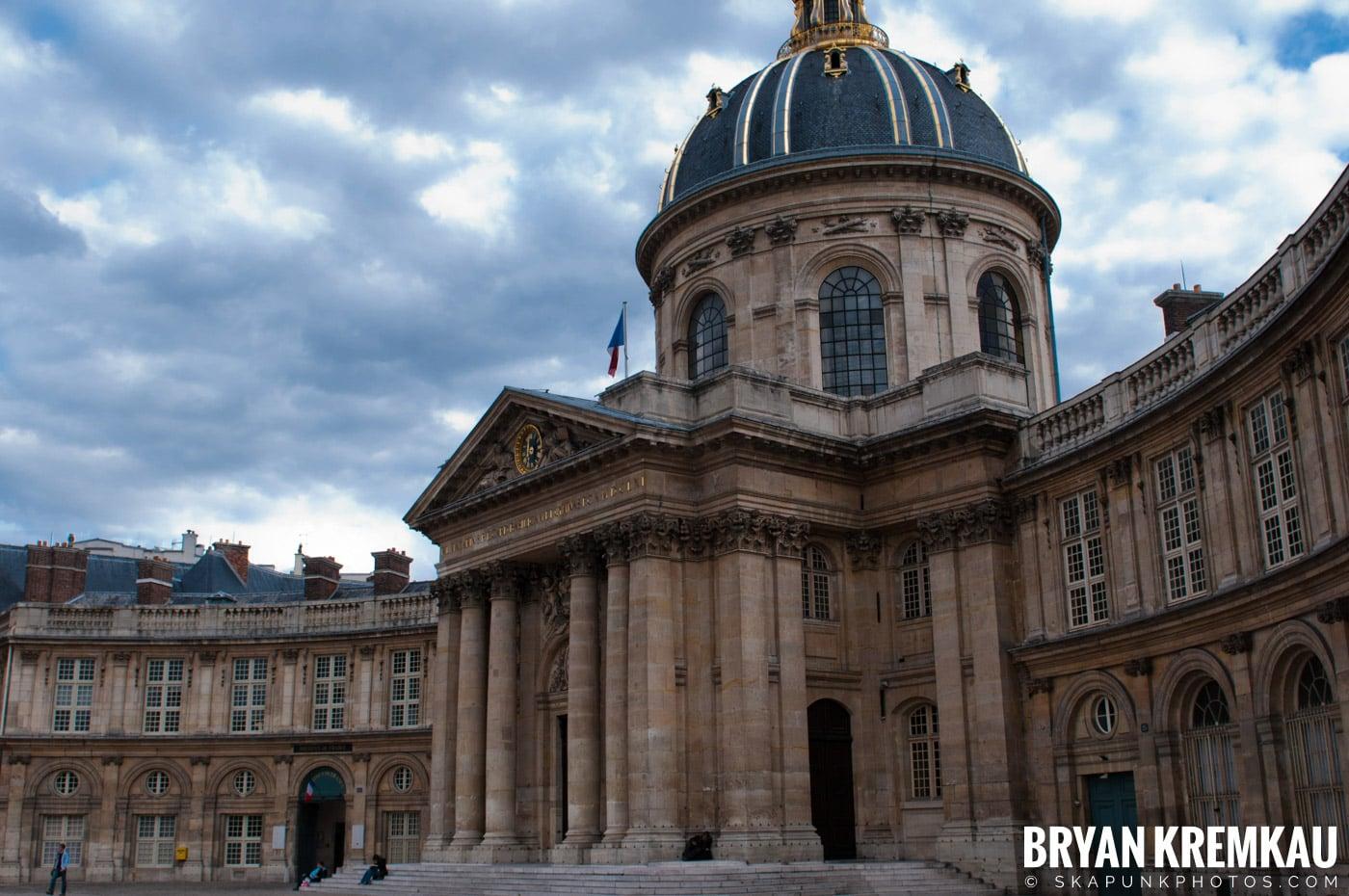 Paris, France Honeymoon - Day 1 - 7.18.11 (11)